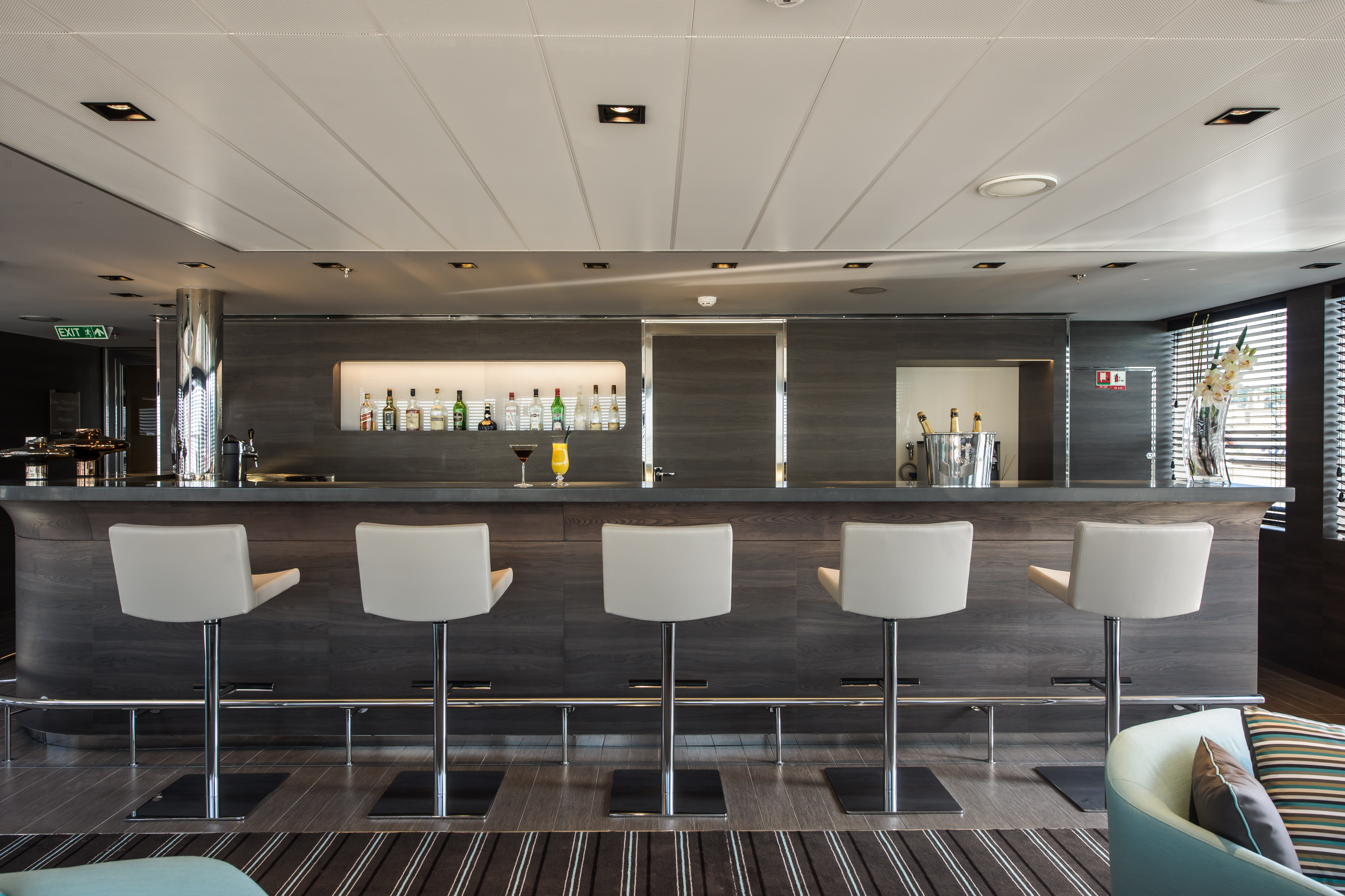 Ponant Le Soleal Interior Panoramic Lounge 3.JPEG