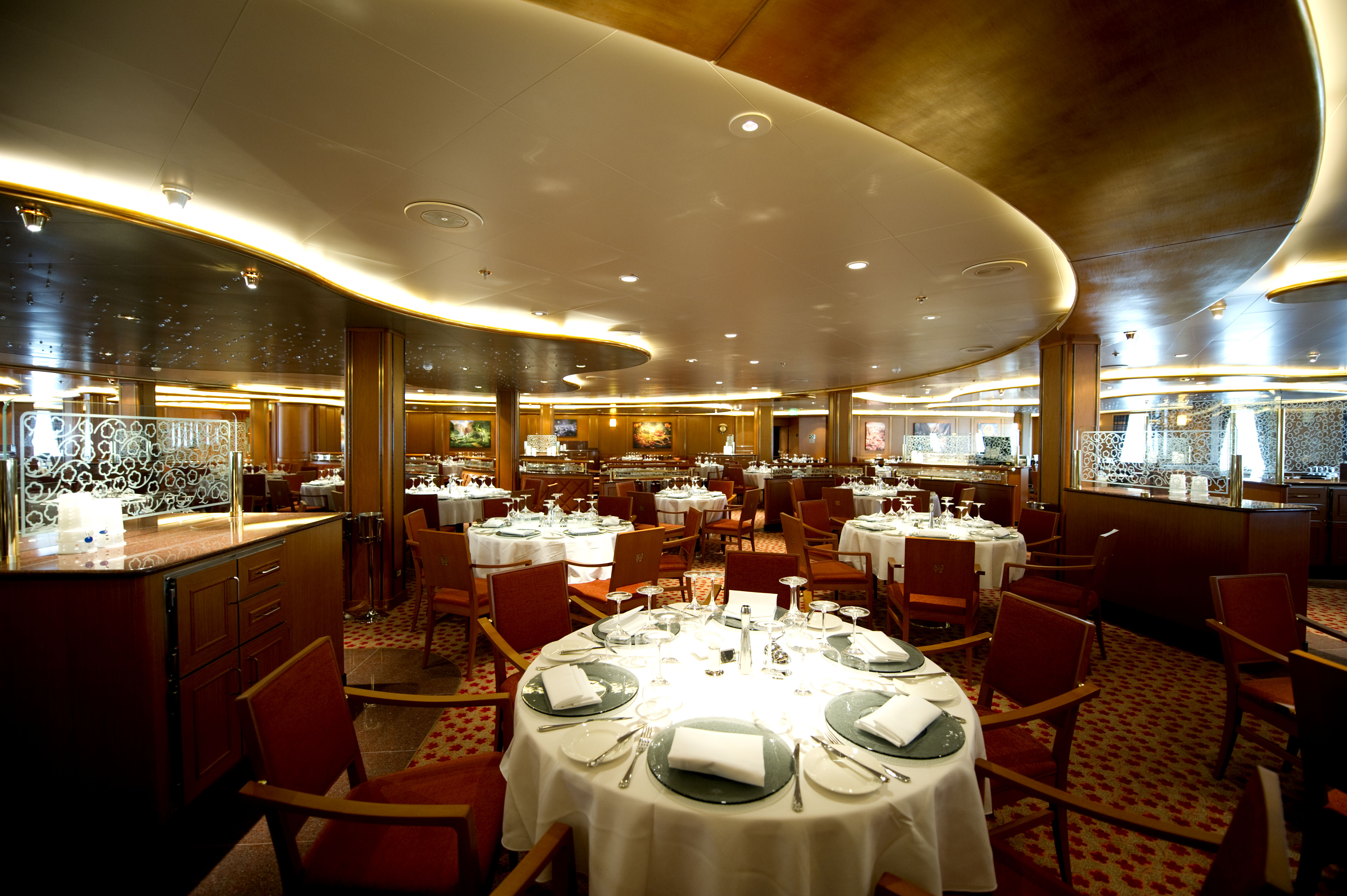 P&O Cruises Azura Interior Meridian 4.jpg