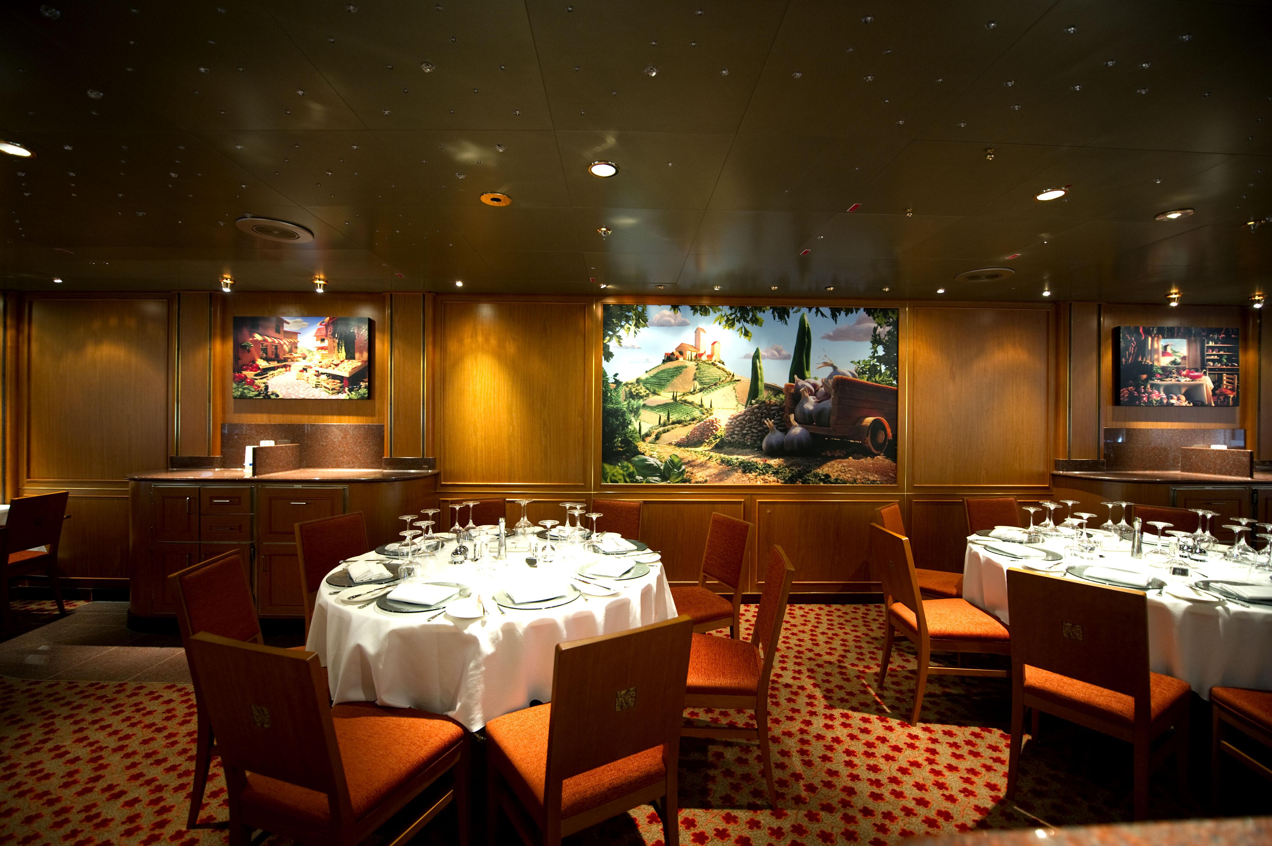 P&O Cruises Azura Interior Meridian 3.jpg