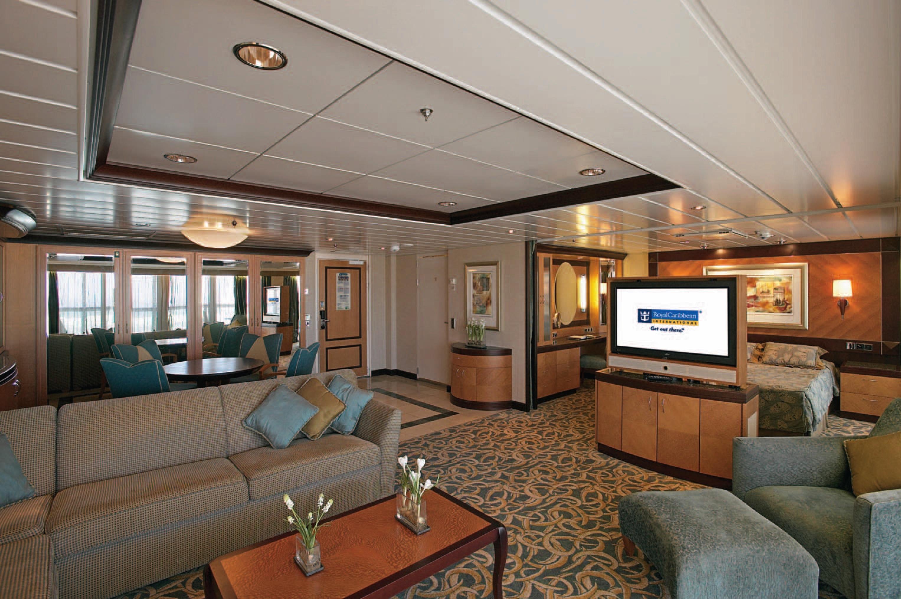 Royal Caribbean International Mariner of the Seas Accommodation Owner's Suite.jpg