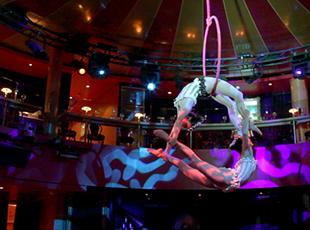 Norwegian Cruise Line Norwegian Epic Interior Spiegel Tent.jpg