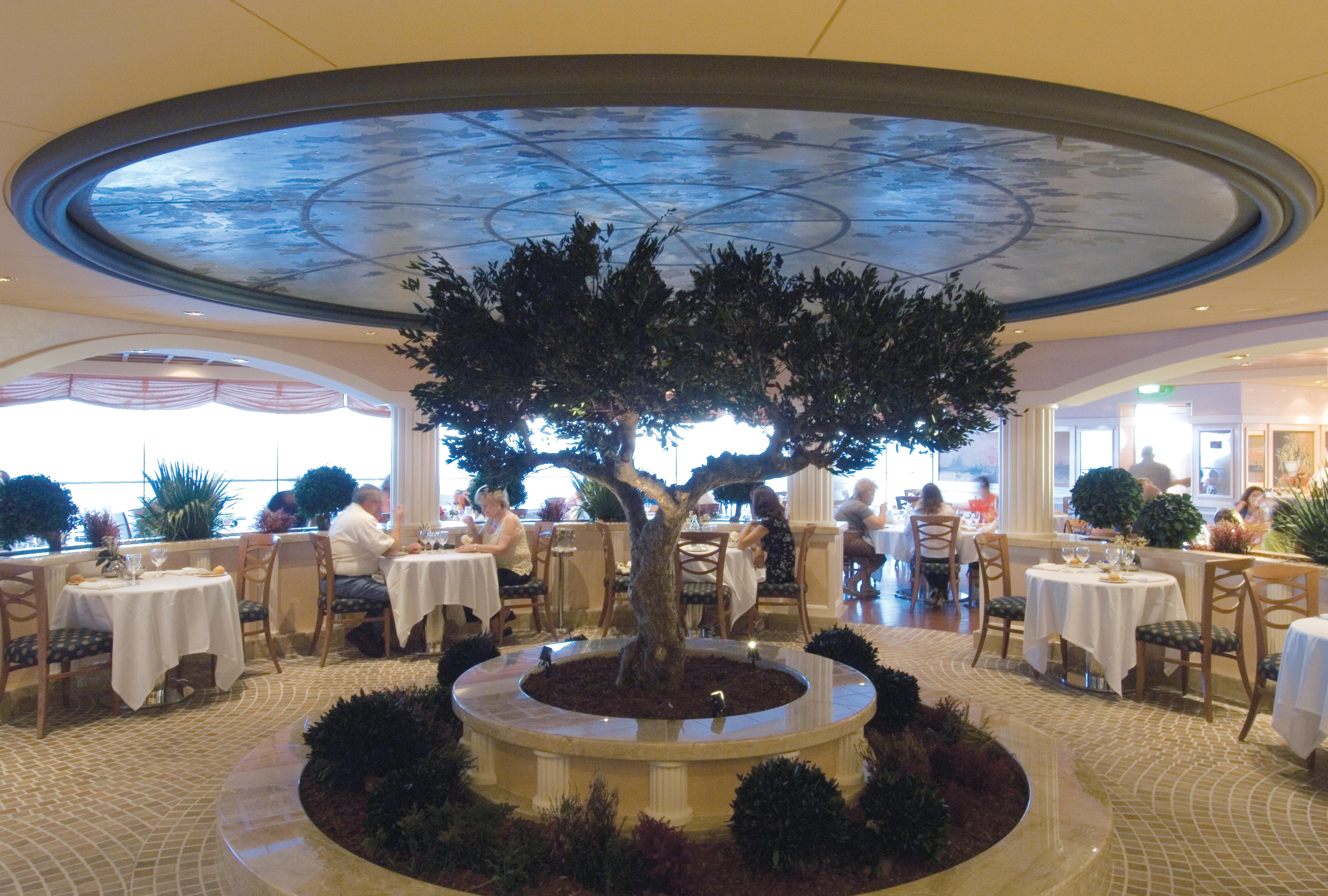 MSC Musica Class main restaurant 4.jpg
