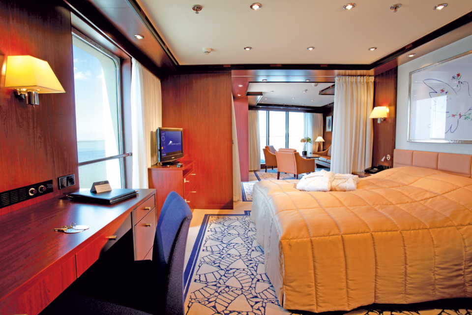 Cruise & Maritime Voyages Astor Accommodation Senator Suite Bedroom.png