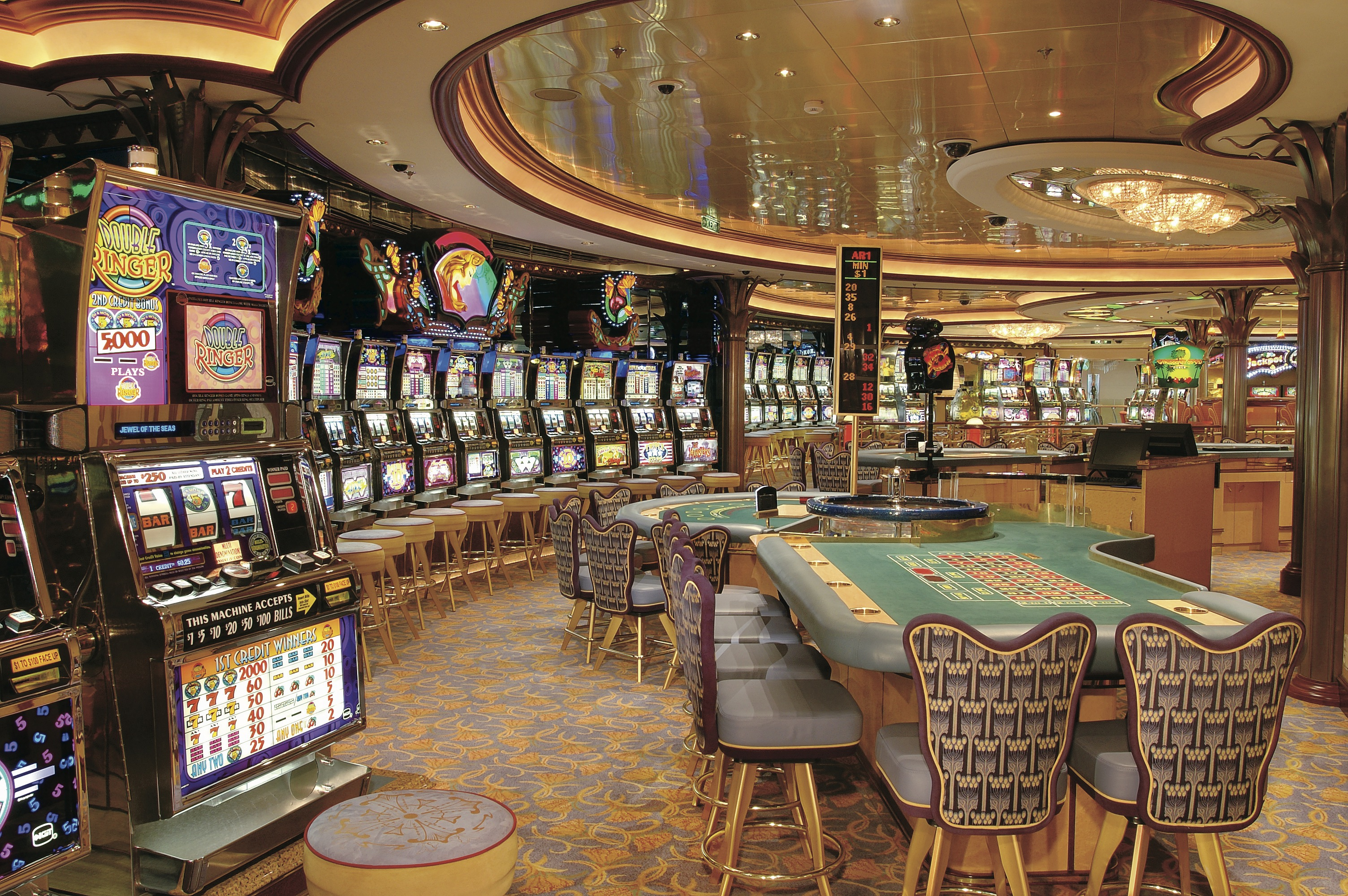 Royal Caribbean International Jewel of the Seas Interior Casino Royale.jpeg