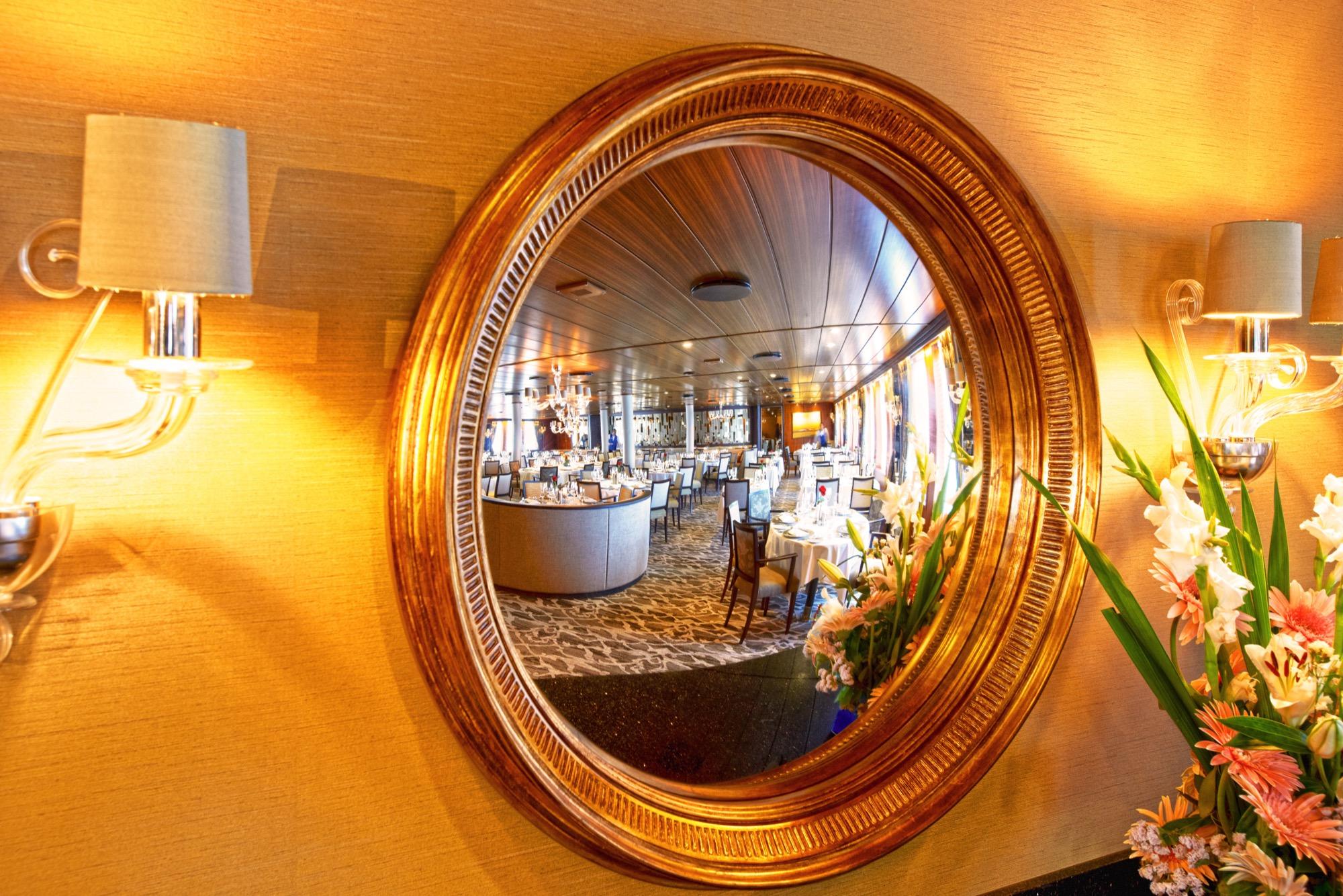 Windstar Wind Star & Wind Spirit Interior AmphorA Restaurant 5.jpg