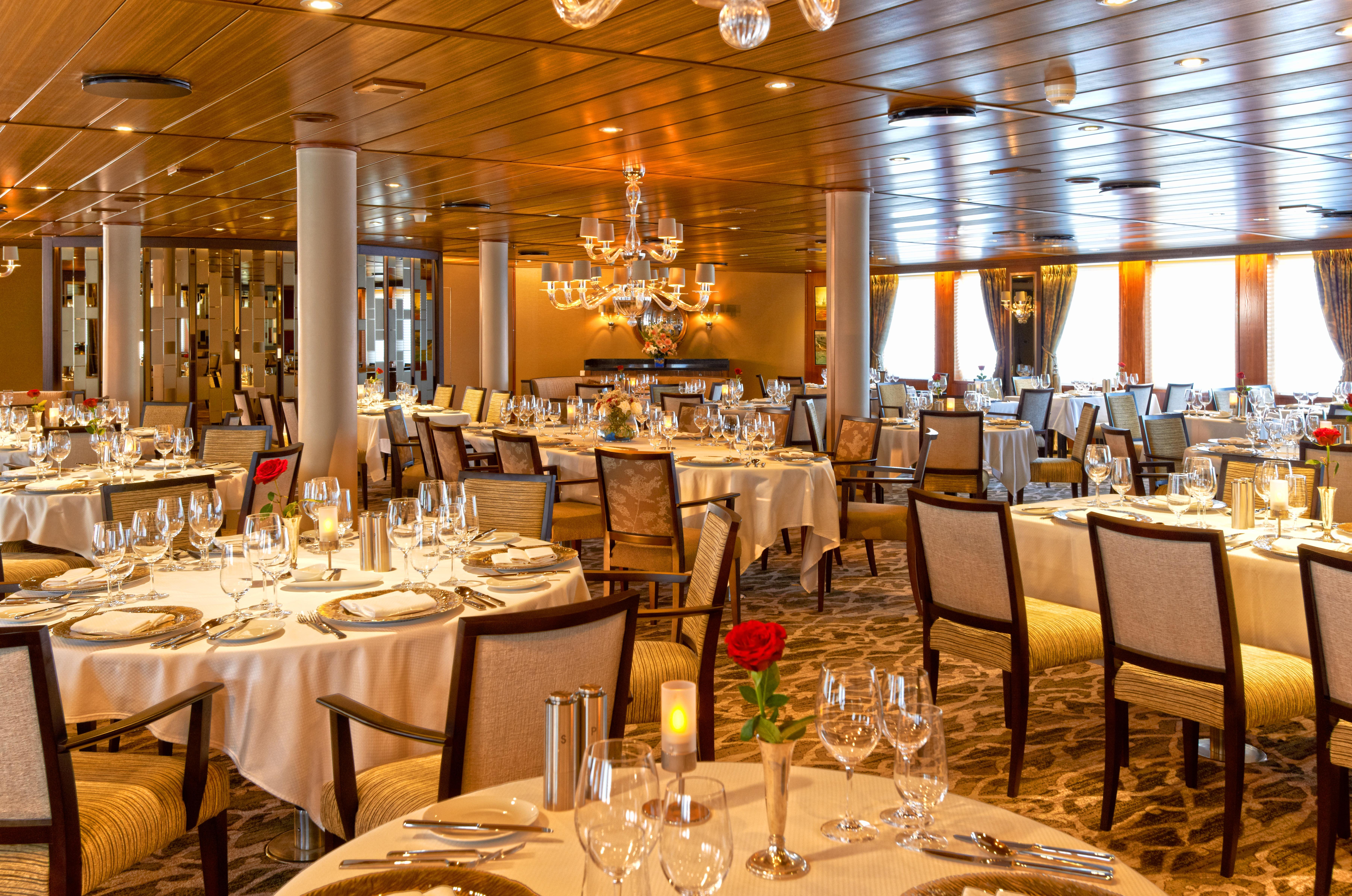 Windstar Wind Star & Wind Spirit Interior AmphorA Restaurant 4.jpg