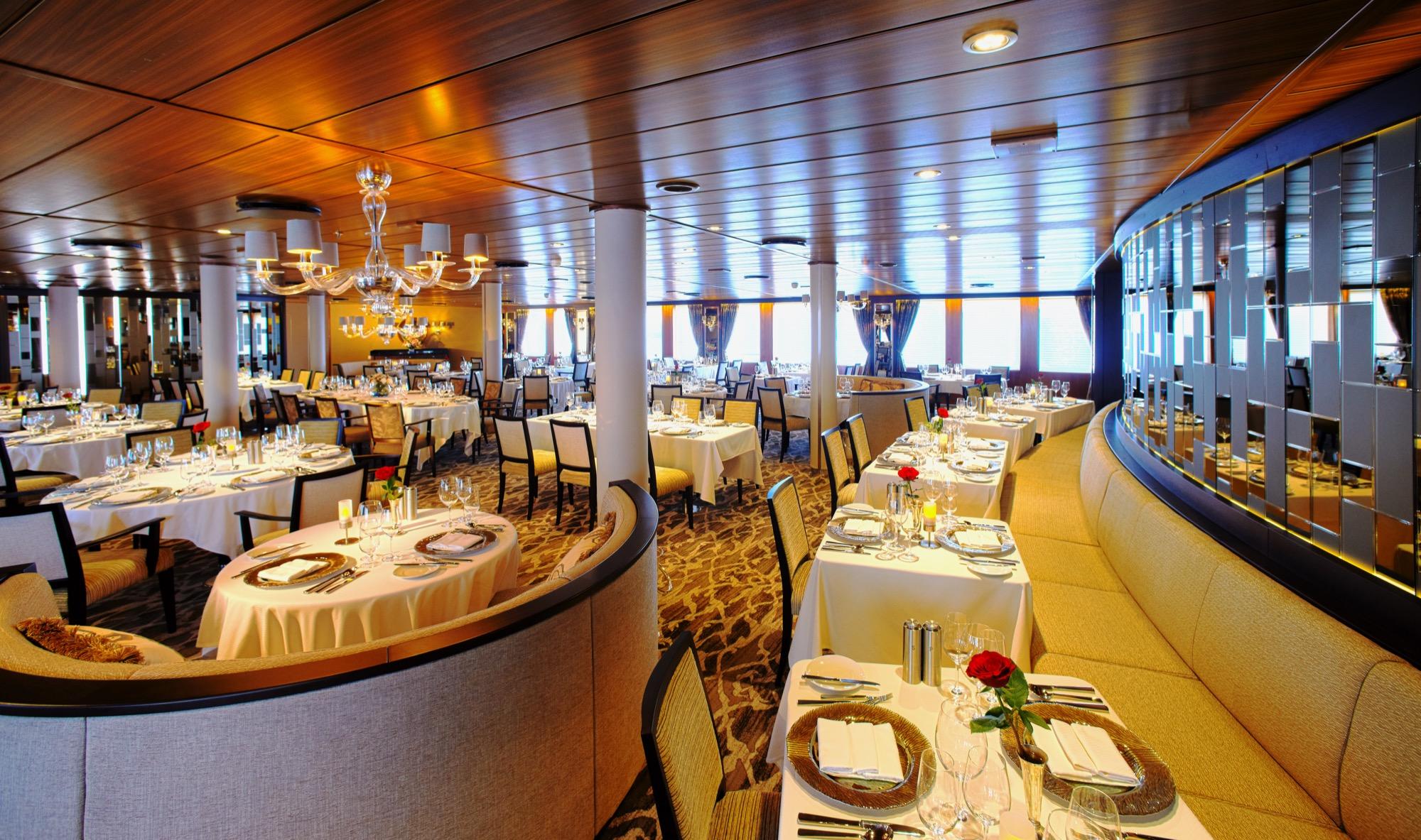 Windstar Wind Star & Wind Spirit Interior AmphorA Restaurant 1.jpg