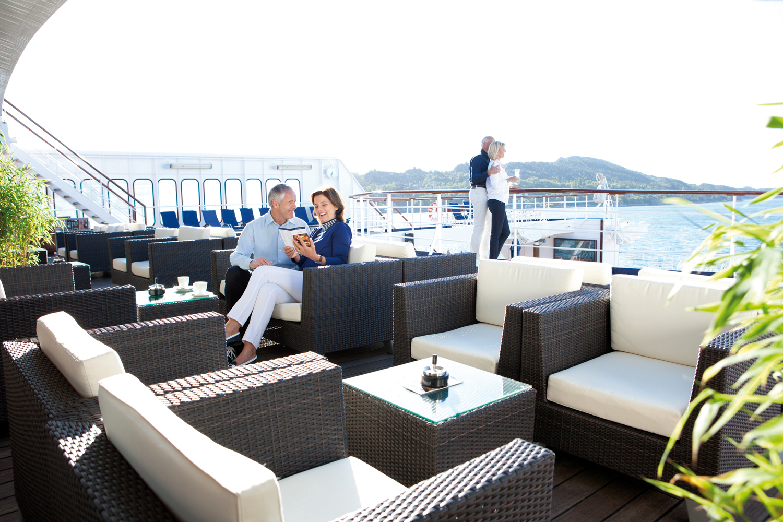 Cruise & Maritime Voyages Astor Interior Hansebar.jpg