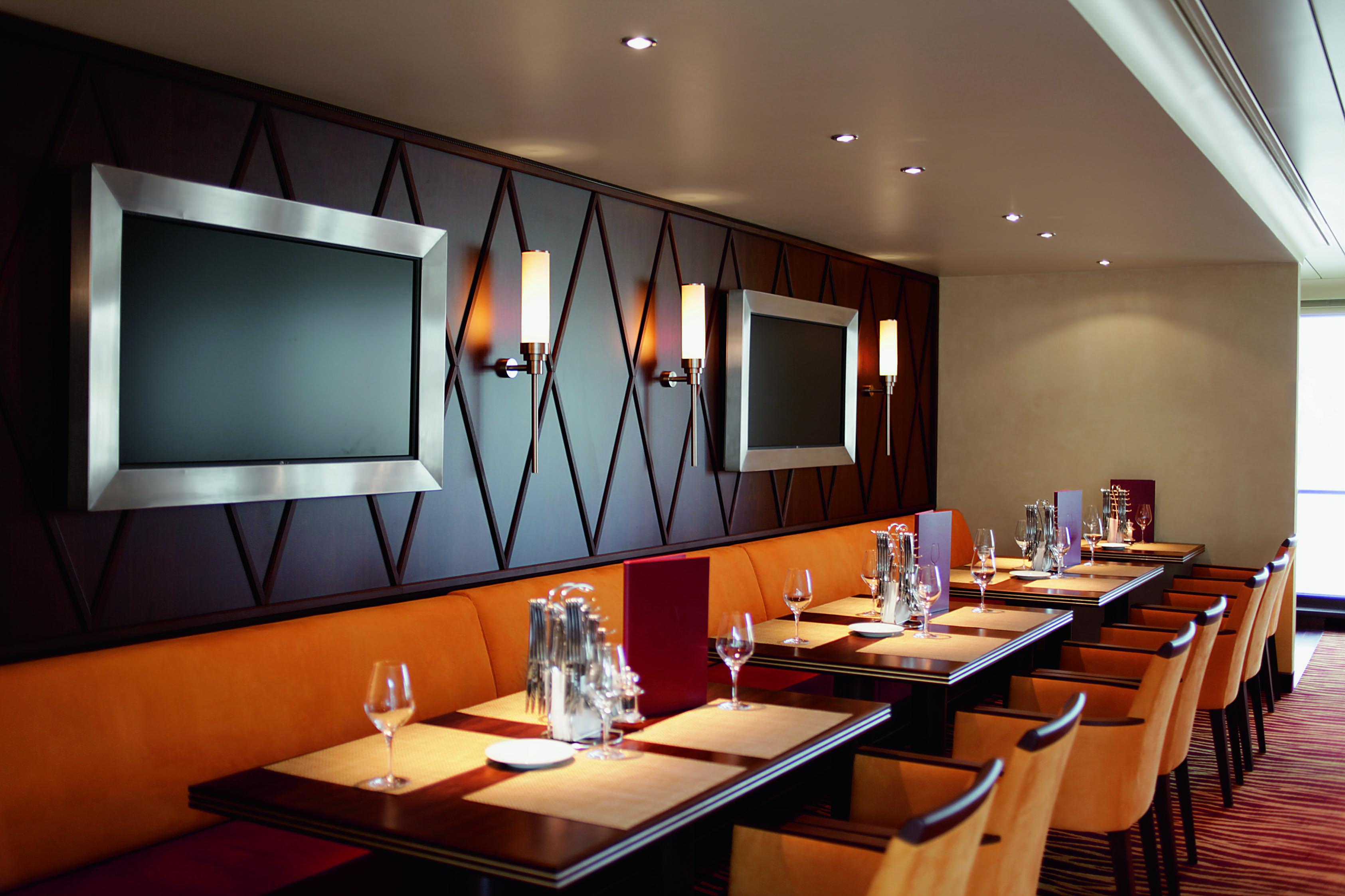 A-ROSA AQUA A-ROSA VIVA A-ROSA BRAVA Interior Market Restaurant 2.jpg
