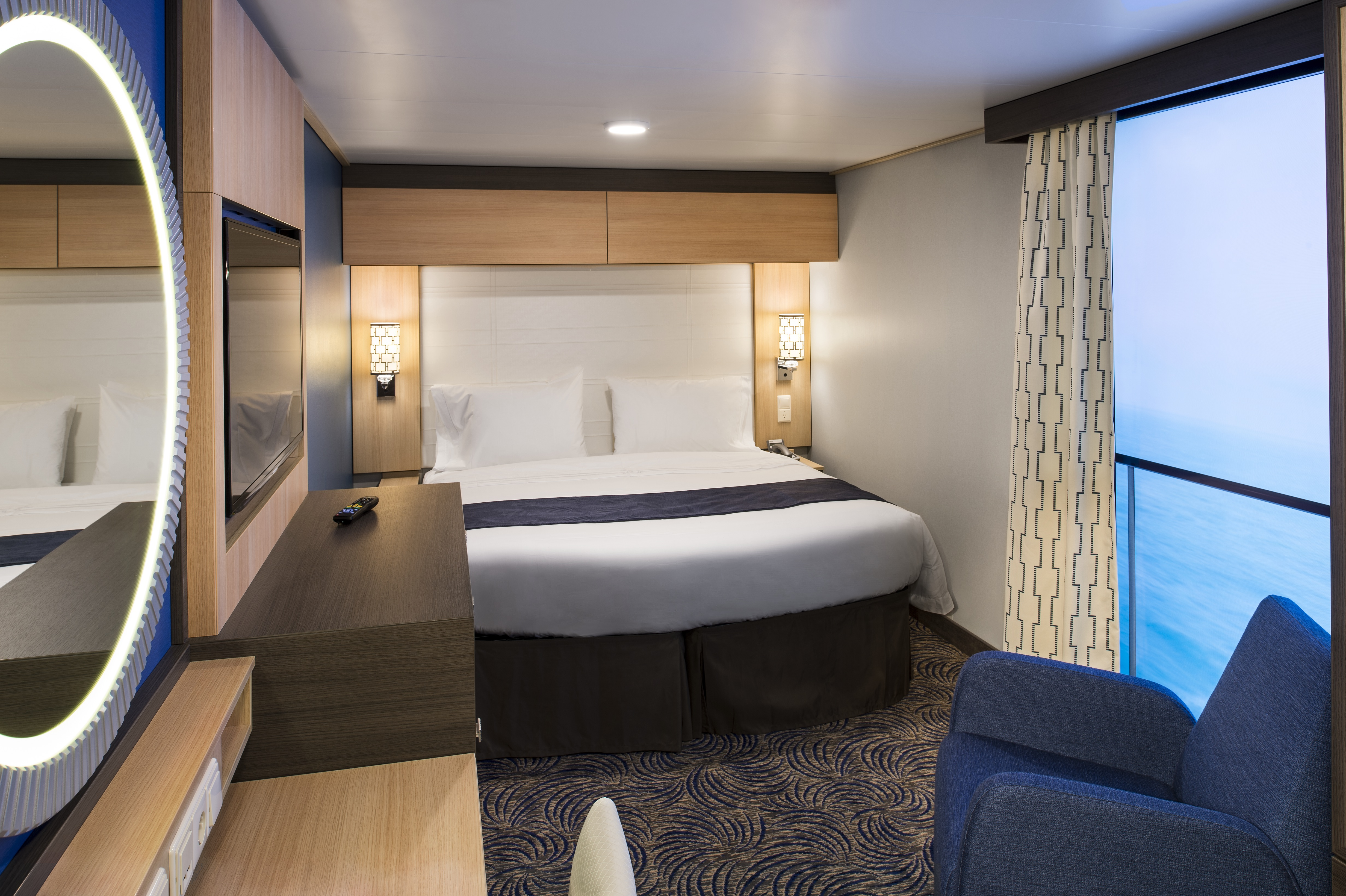 Royal Caribbean International Quantum of the Seas Accommodation Interior F.jpg