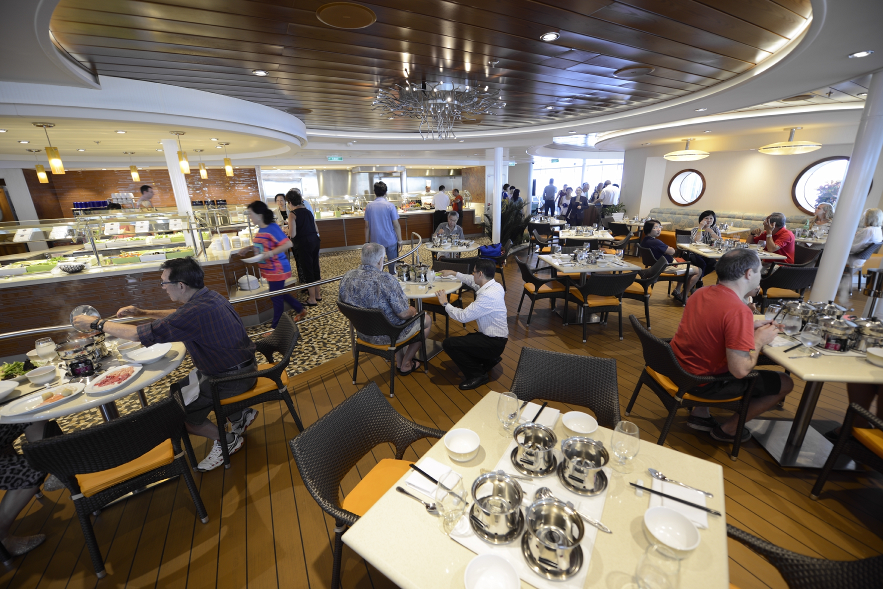 Royal Caribbean International Quantum of the Seas Interior Solarium Bistro 1.jpg