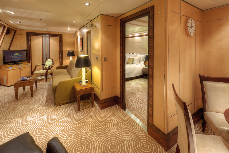 Queen mary 2 cunard cruises for Queen mary 2 interieur