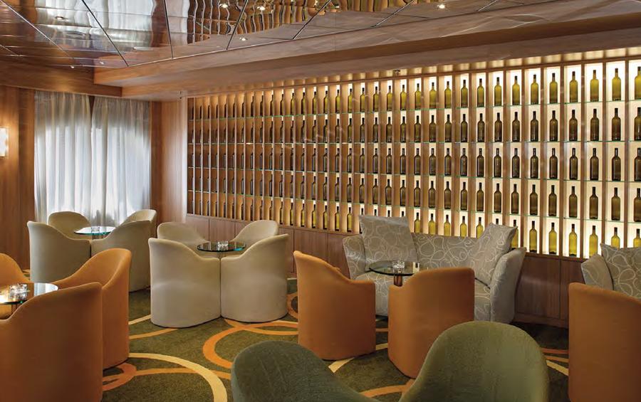 Cruise & Maritime Voyages Magellan Interior Hampton's Lounge Bar.png