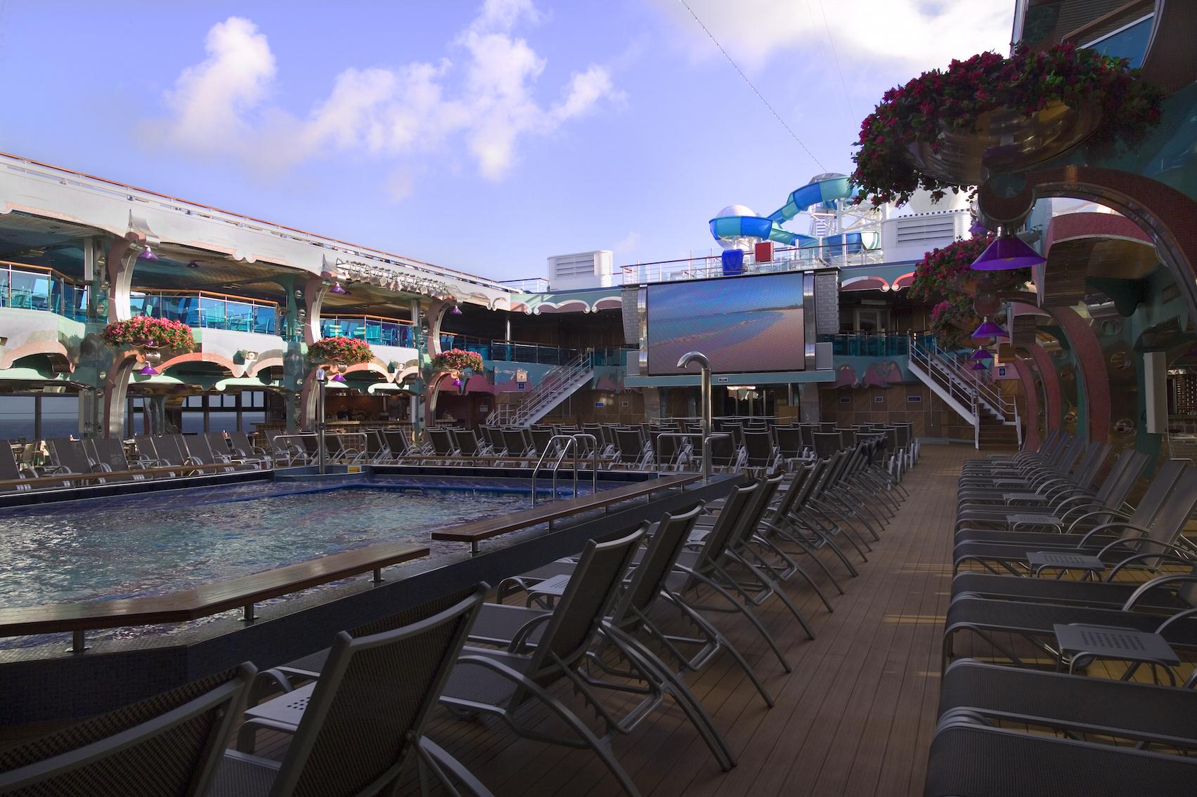 Carnival Splendor Splendido Lido Pool 2.jpg