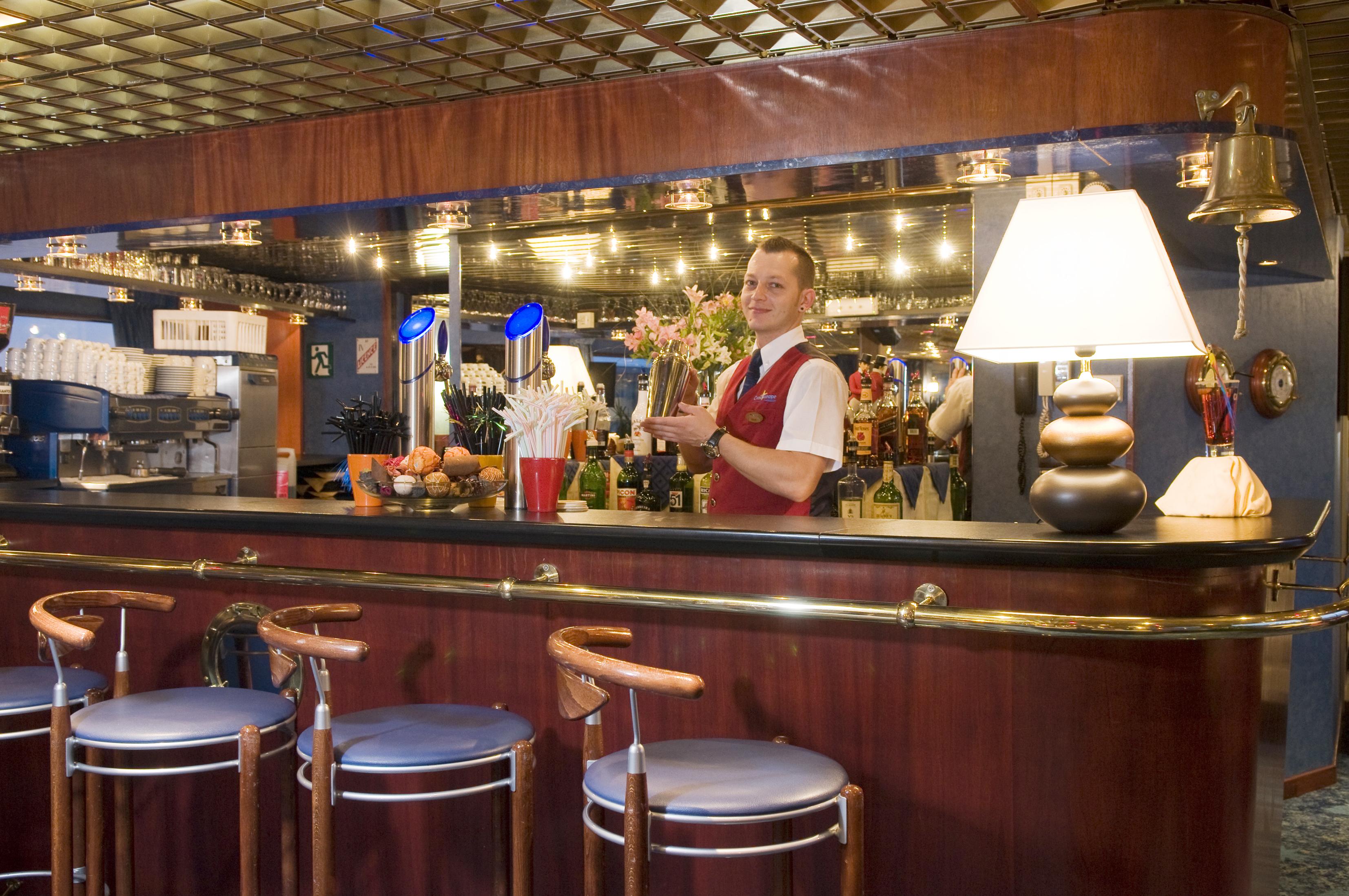CroisiEurope MS Van Gogh Interior Lounge Bar 1.jpg