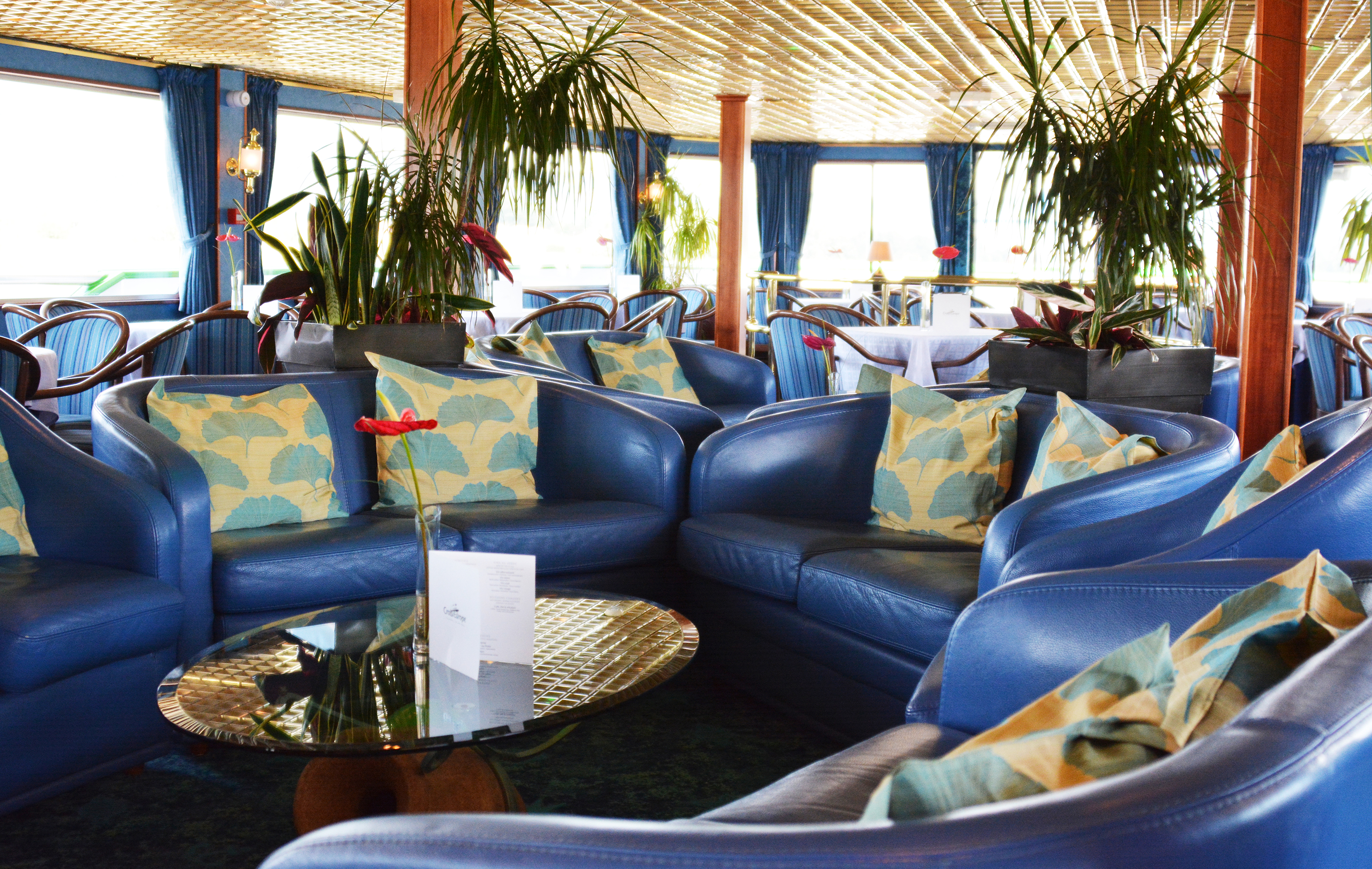 CroisiEurope MS Van Gogh Interior Lounge Bar 2.jpg