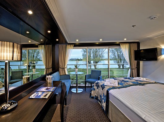 Avalon Waterways Avalon Expression Accommodation Panorama Suite 5.JPG