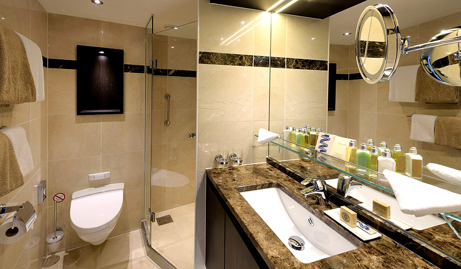 Avalon Waterways Avalon Artistry II Accommodation Panorama Suite Bathroom.jpg