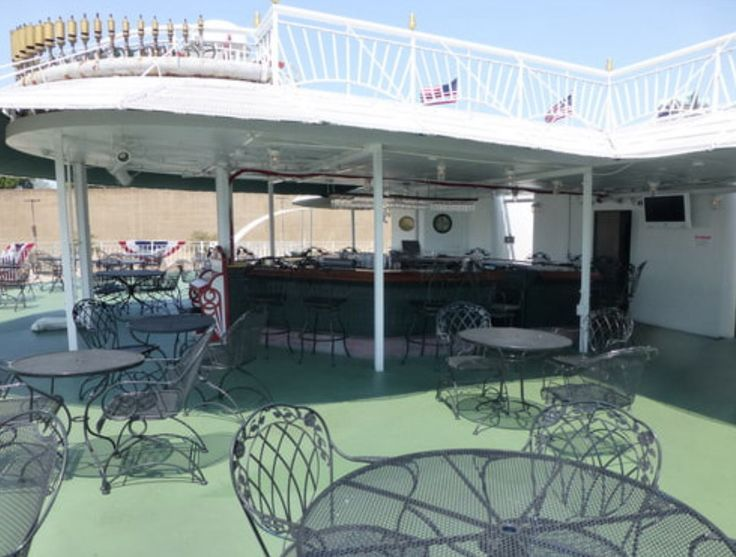 American Queen - American Queen - Entertainment - The River Grill - Photo.jpg