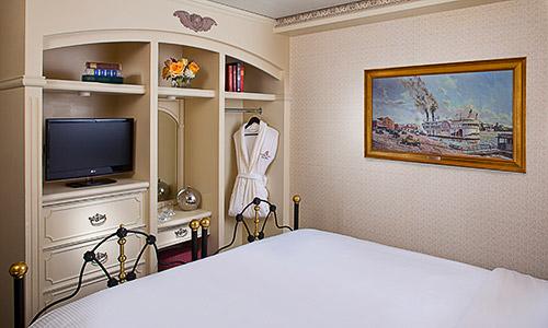 American Queen - American Queen - Accommodation - Single SO - Photo.jpg