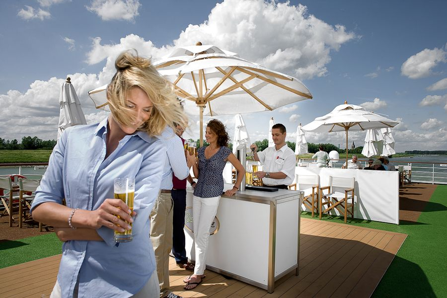 A-ROSA FLORA A-ROSA SILVA Exterior Bar.jpg