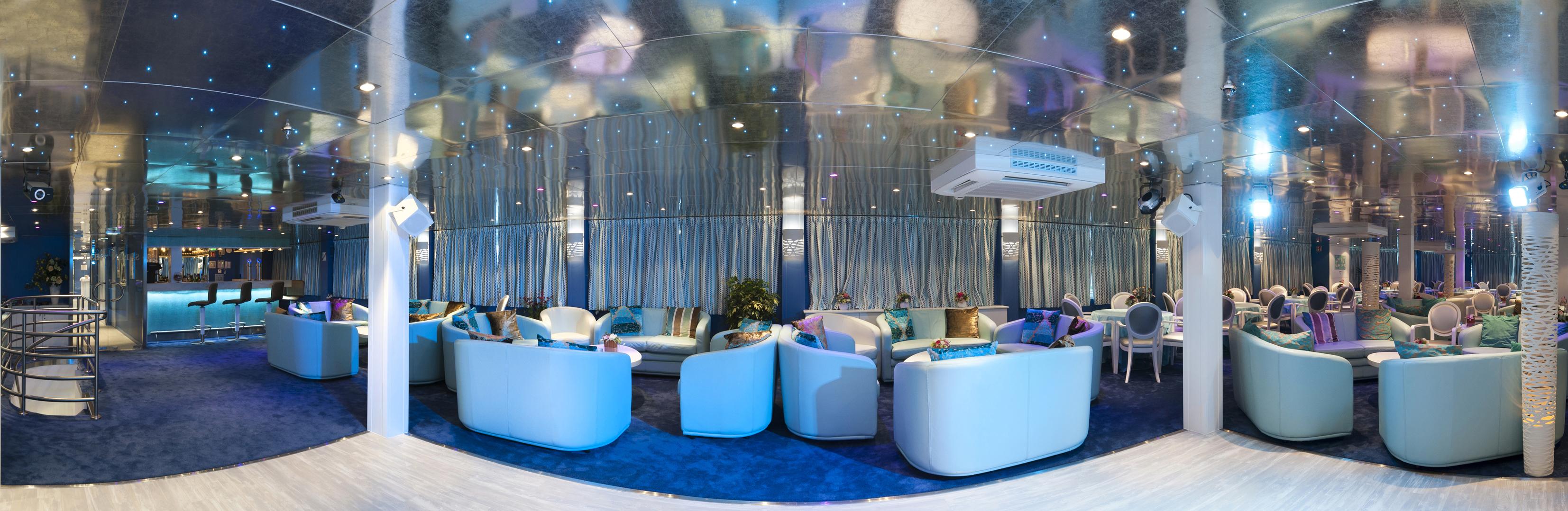 CroisiEurope MS Cyrano de Bergerac Interior Lounge Bar Panorama 1.jpg