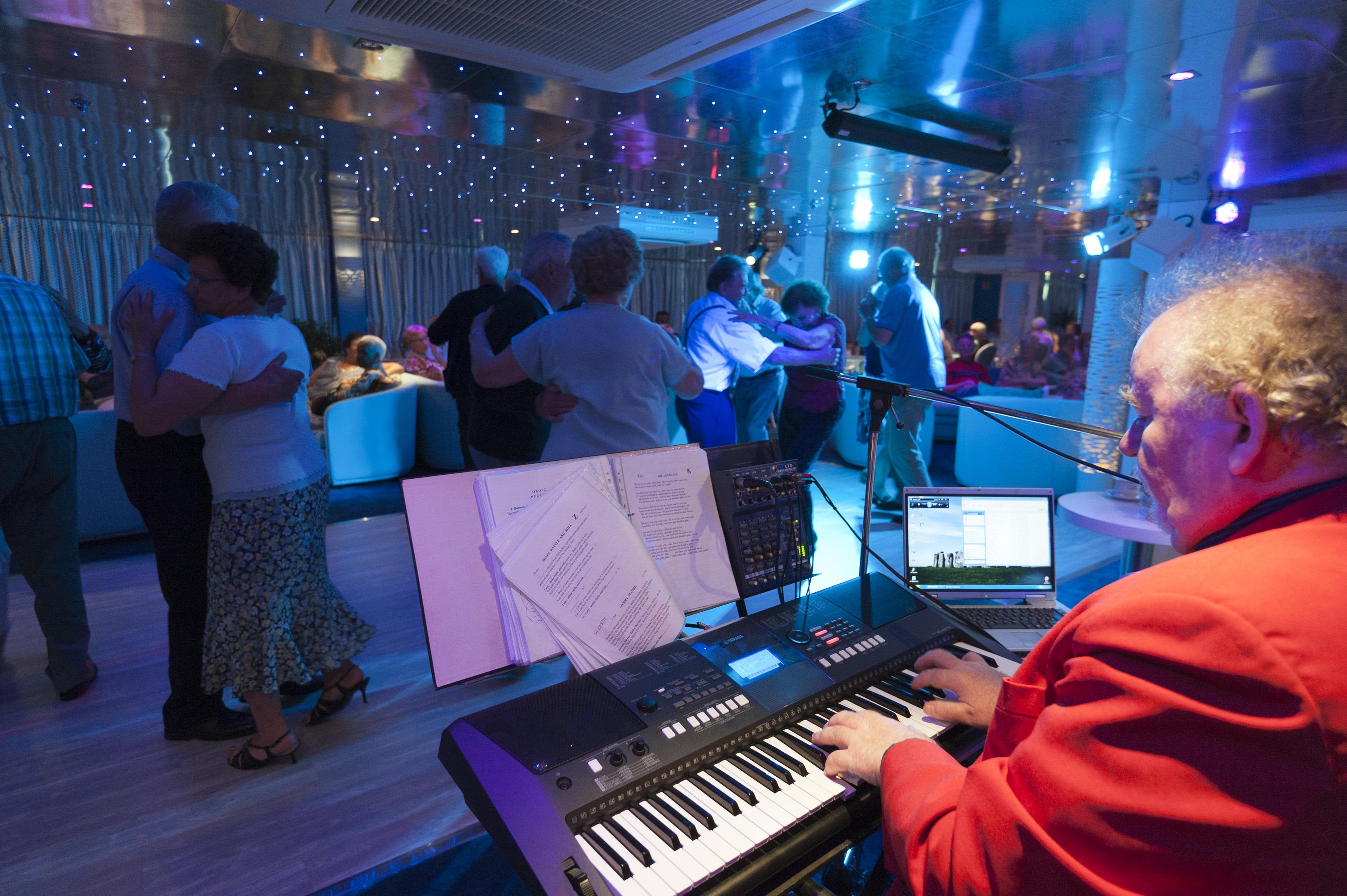 CroisiEurope MS Cyrano de Bergerac Interior Lounge Bar Entertainment.jpg