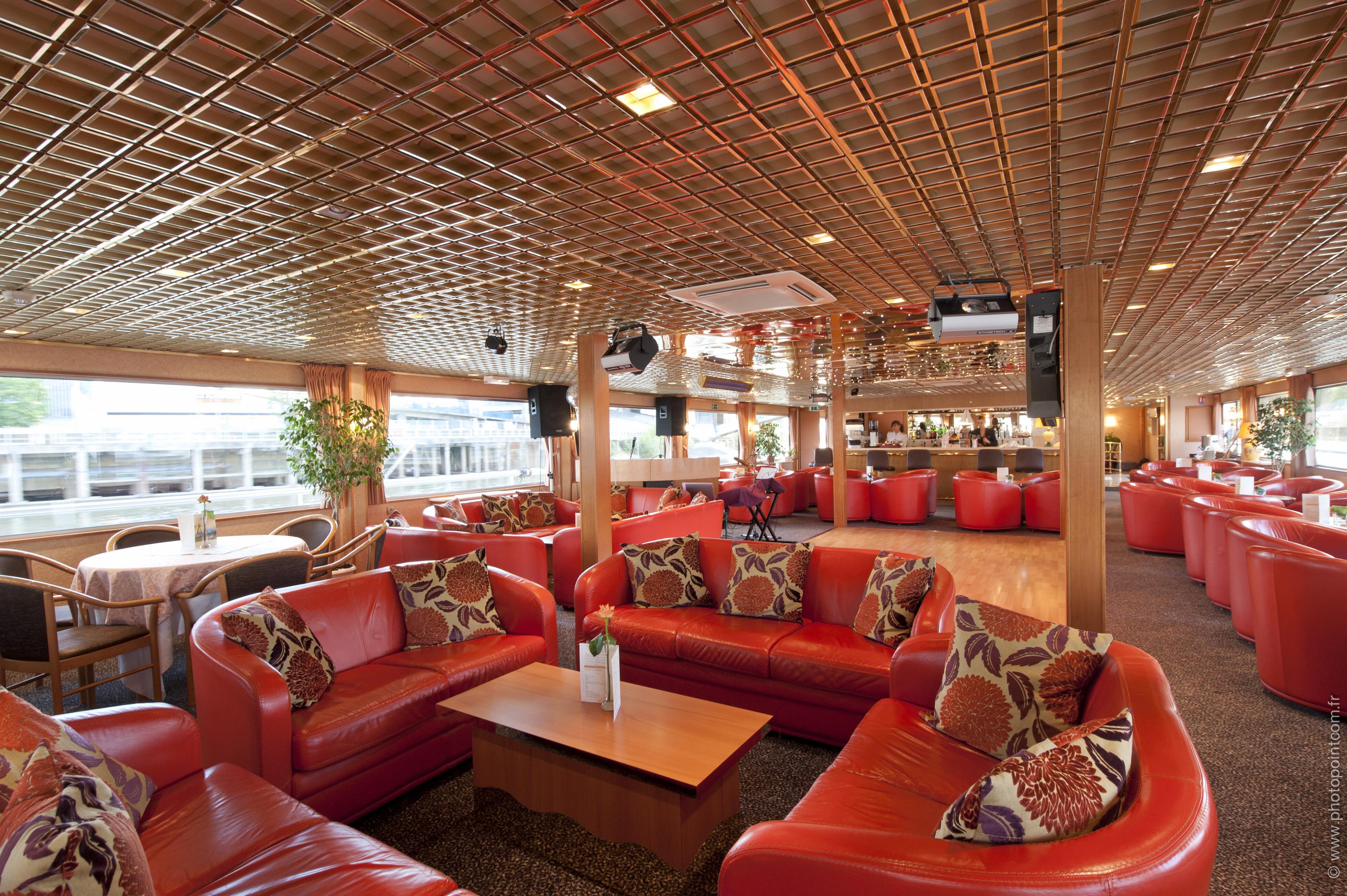CroisiEurope MS Seine Princess Interior Lounge Bar 6.jpg