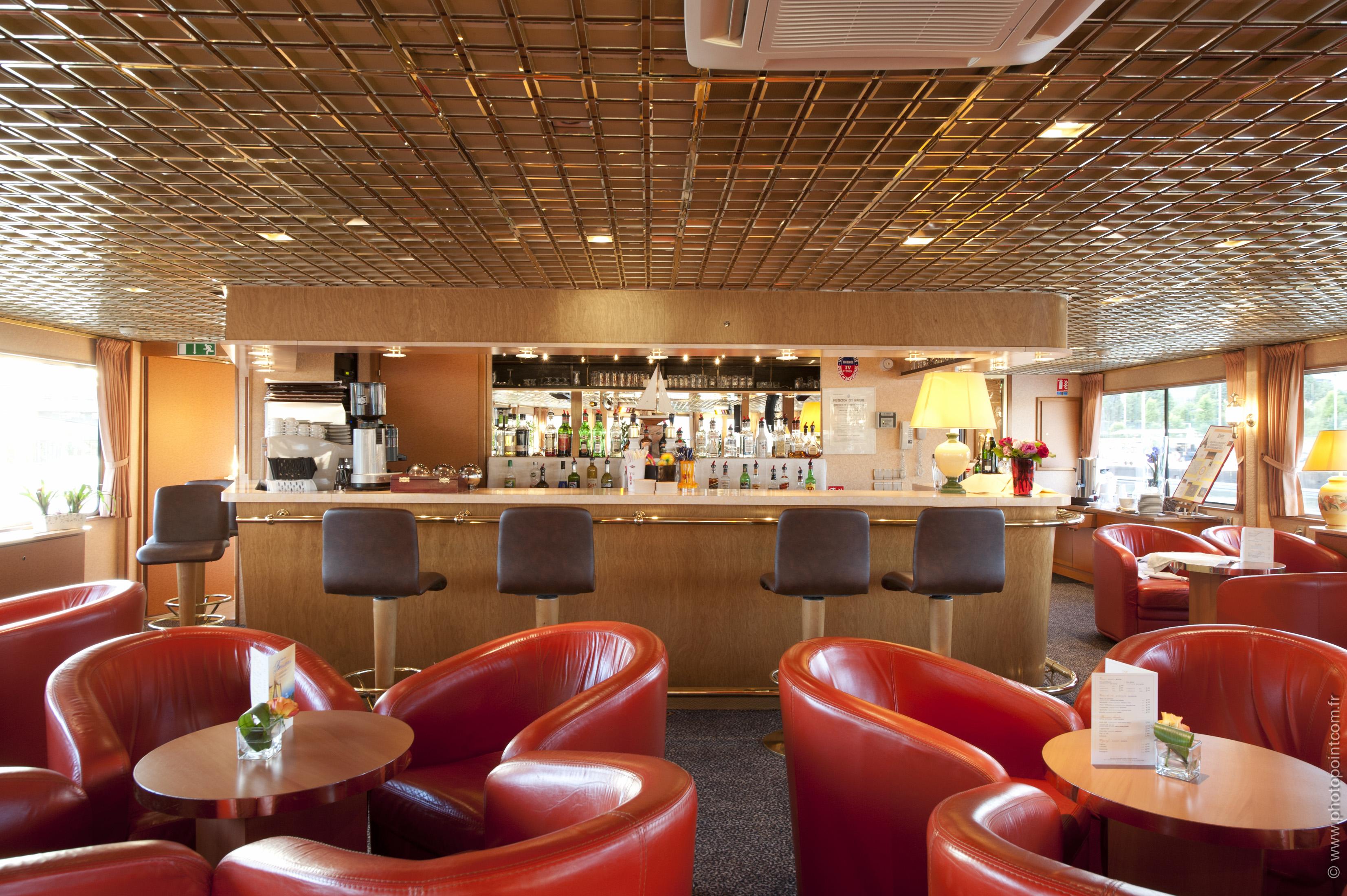 CroisiEurope MS Seine Princess Interior Lounge Bar 7.jpg
