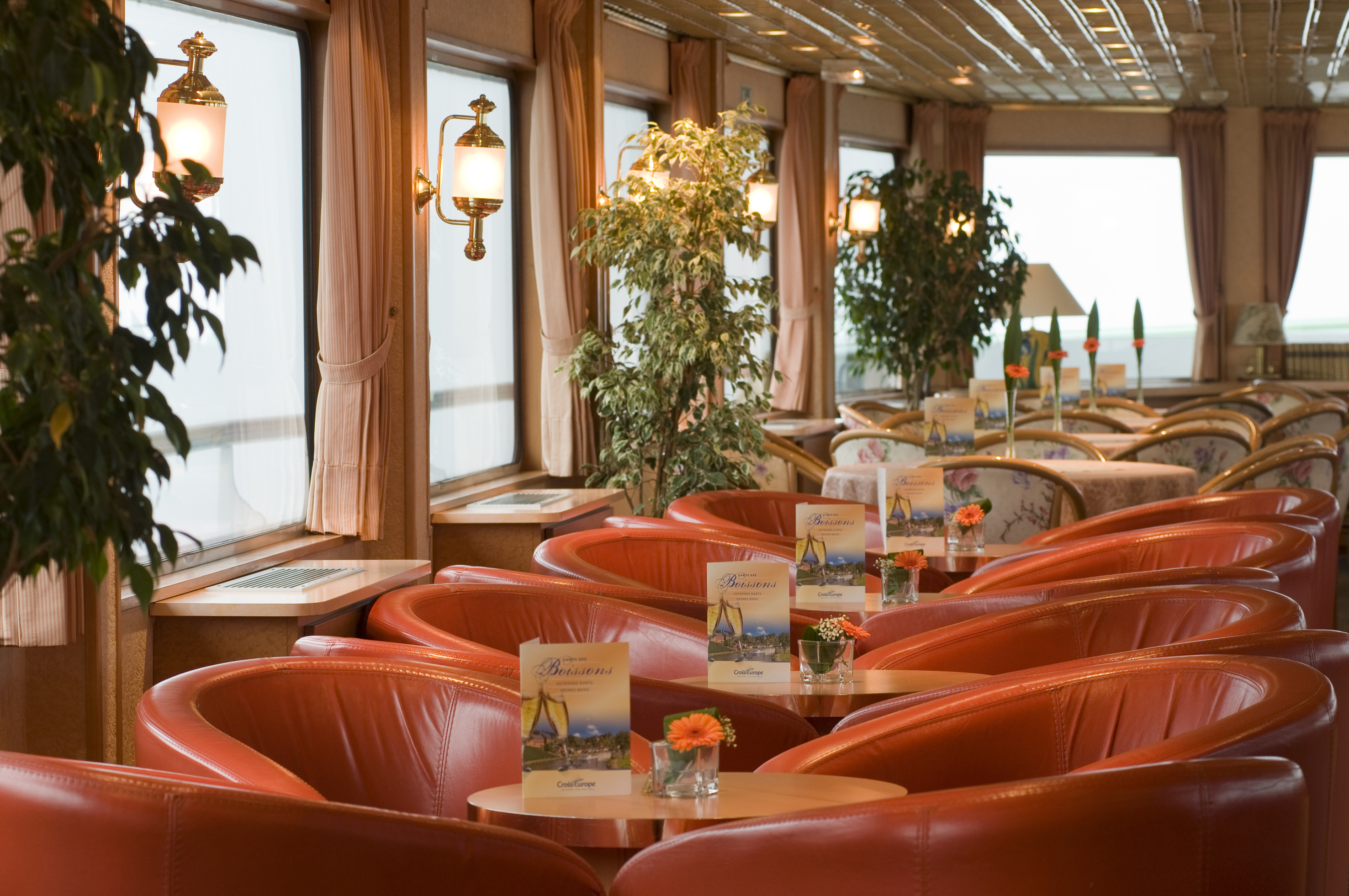CroisiEurope MS Seine Princess Interior Lounge Bar 9.jpg