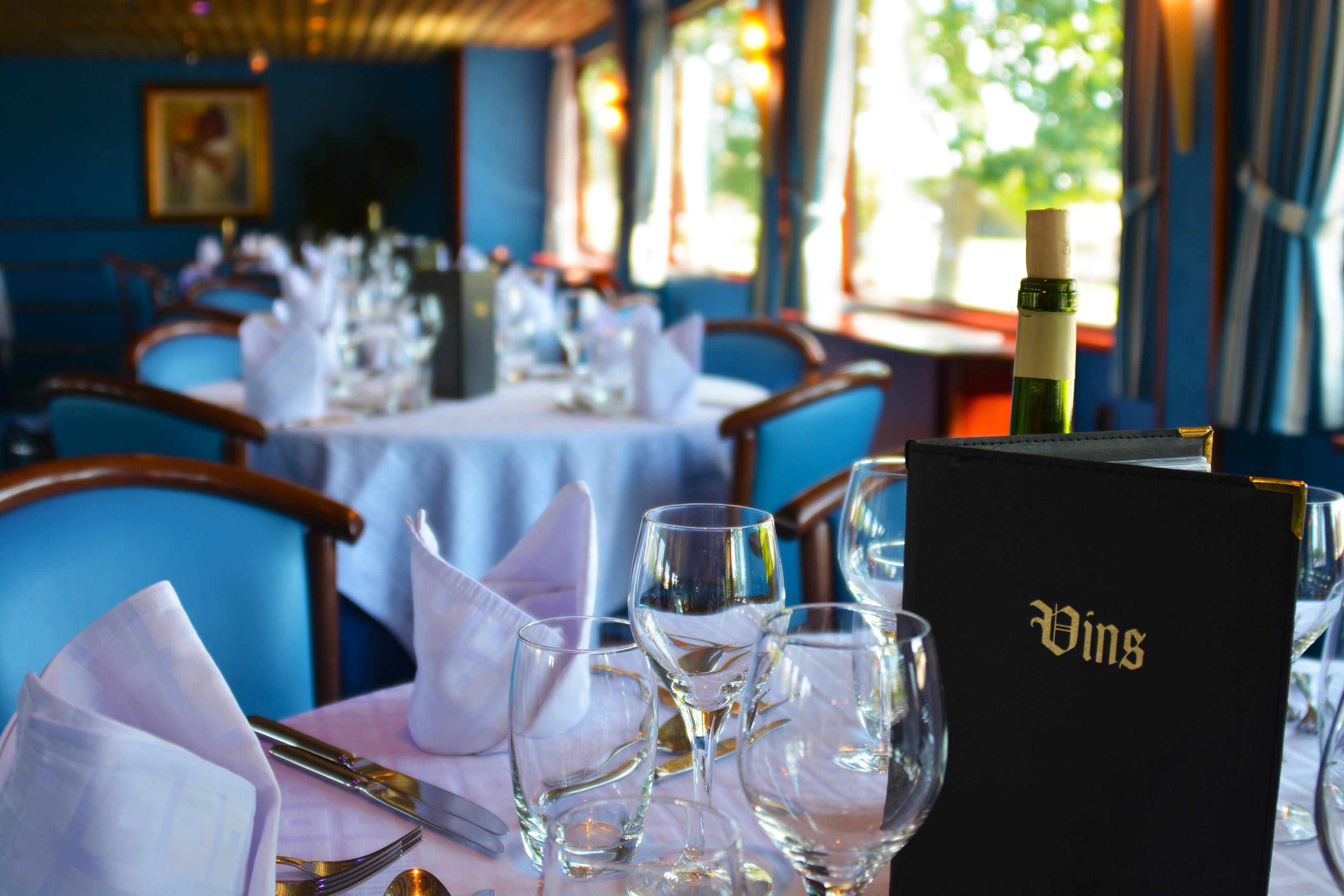 CroisiEurope MS Van Gogh Interior Dining Room 1.jpg