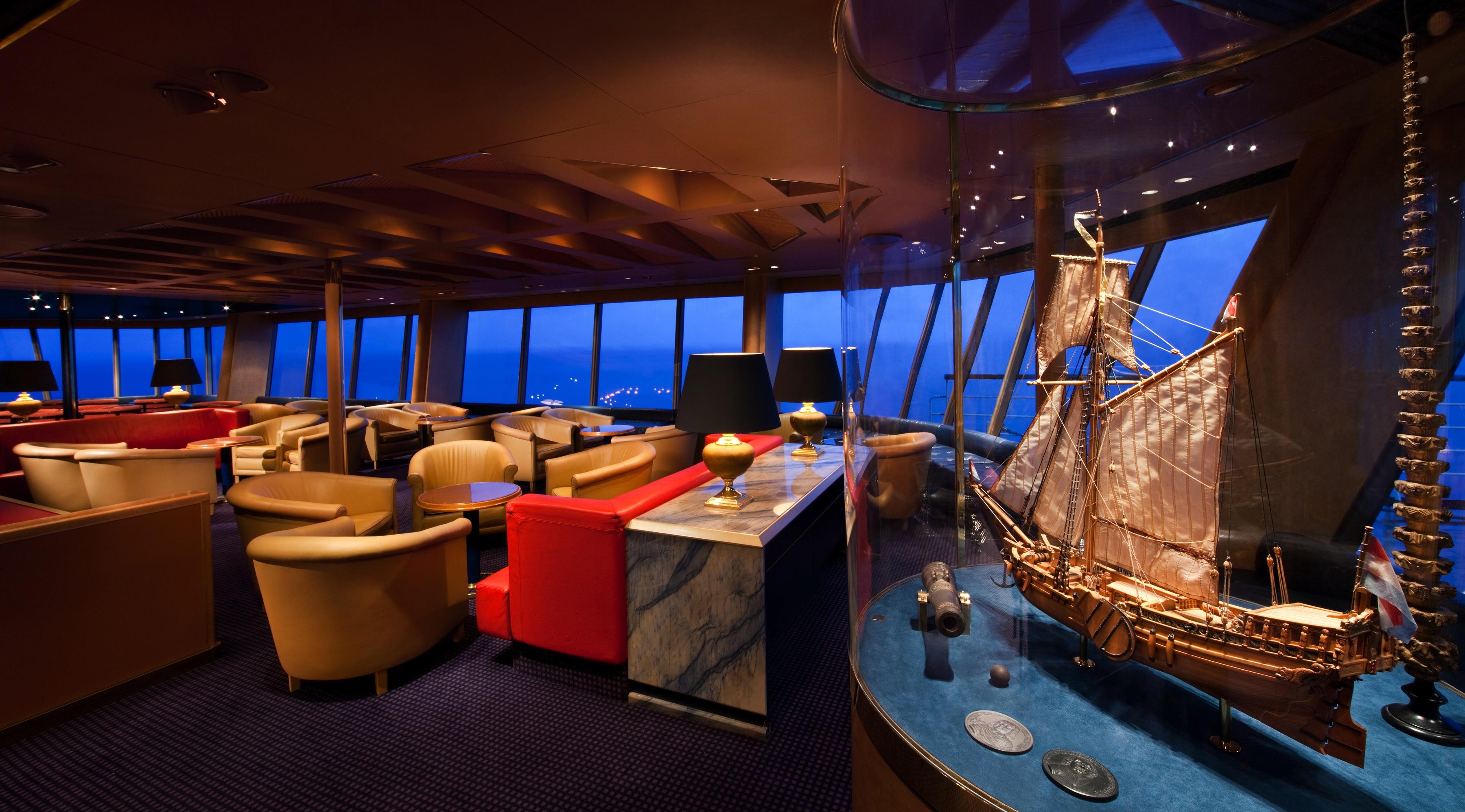 Holland America Line Vista-Class Interior Crow's Nest 2.jpg