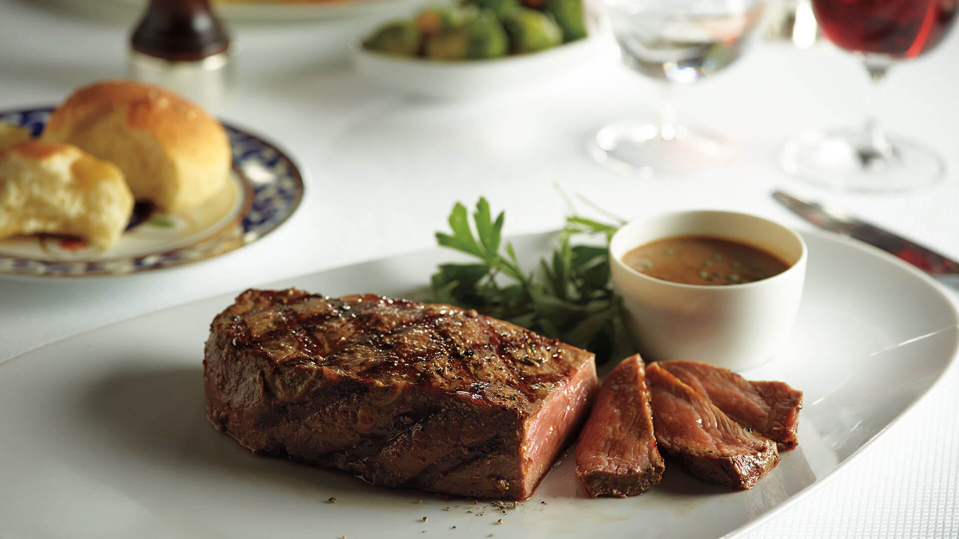 Holland America Koningsdam Dining Culinary_KB14_Pinnacle_New_York_Strip_Steak_48612_alt_1920x1080.jpg