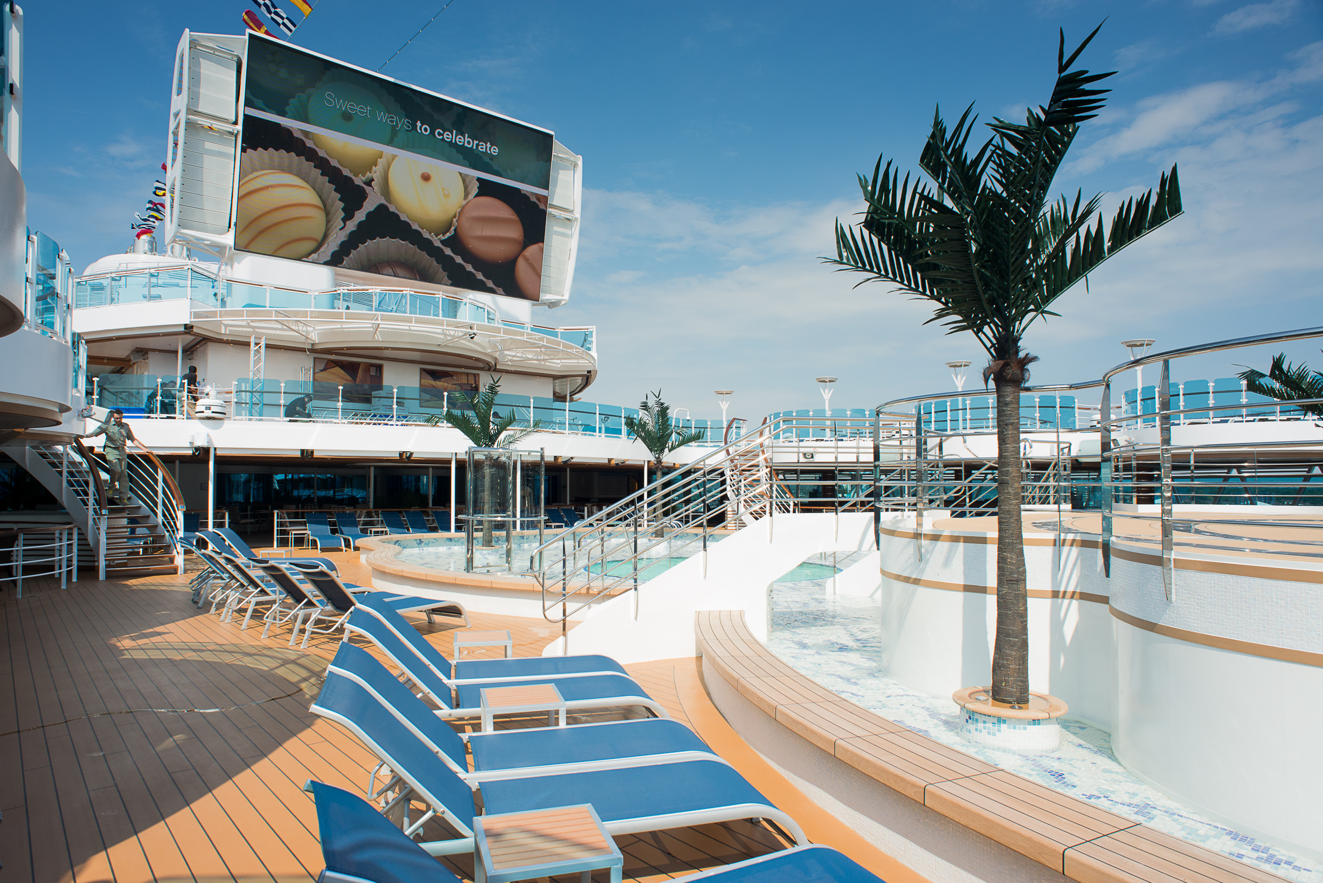 Princess Cruises Royal Class Interior lido 1.jpg