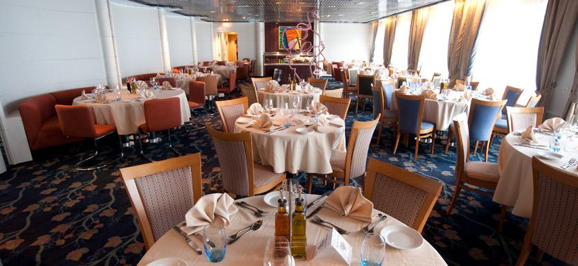 Pullmantur Horizon Interior Le Splendide Restaurant.jpg