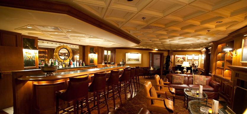 Pullmantur Horizon Interior Churchills Bard and Cigar Lounge.jpg