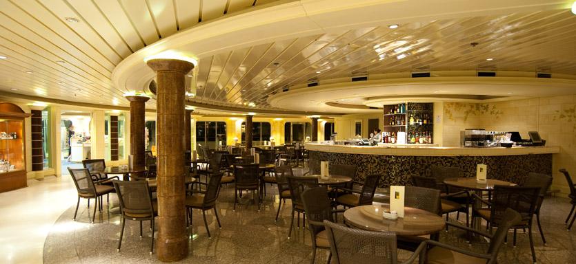 Pullmantur Horizon Interior Cafe Moka.jpg