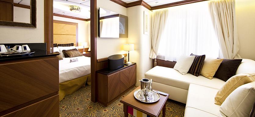 Pullmantur Horizon Accommodation Royal Suite.jpg