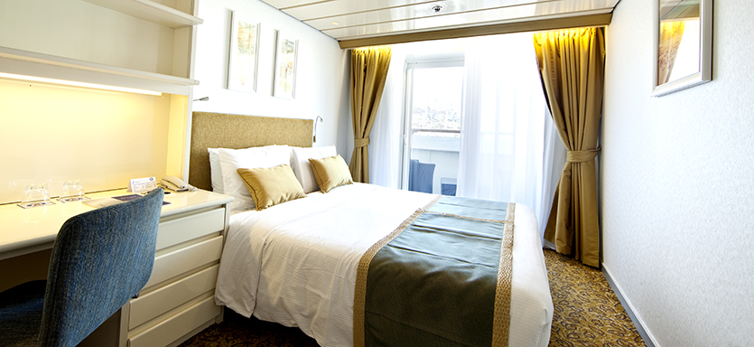 Pullmantur Horizon Accommodation Outside Deluxe with Balcony.jpg