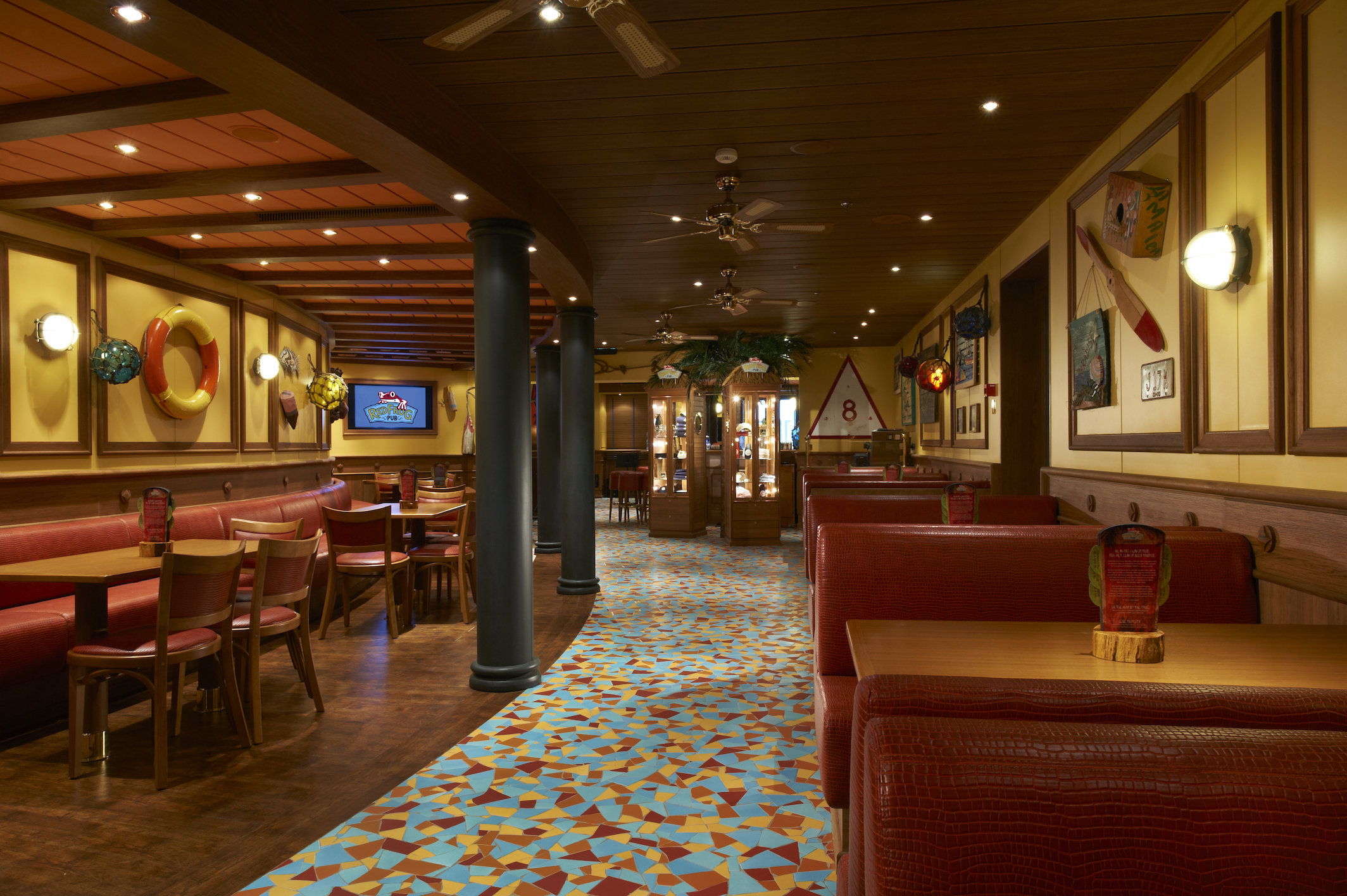 Carnival Magic RedFrog Pub 3.jpg