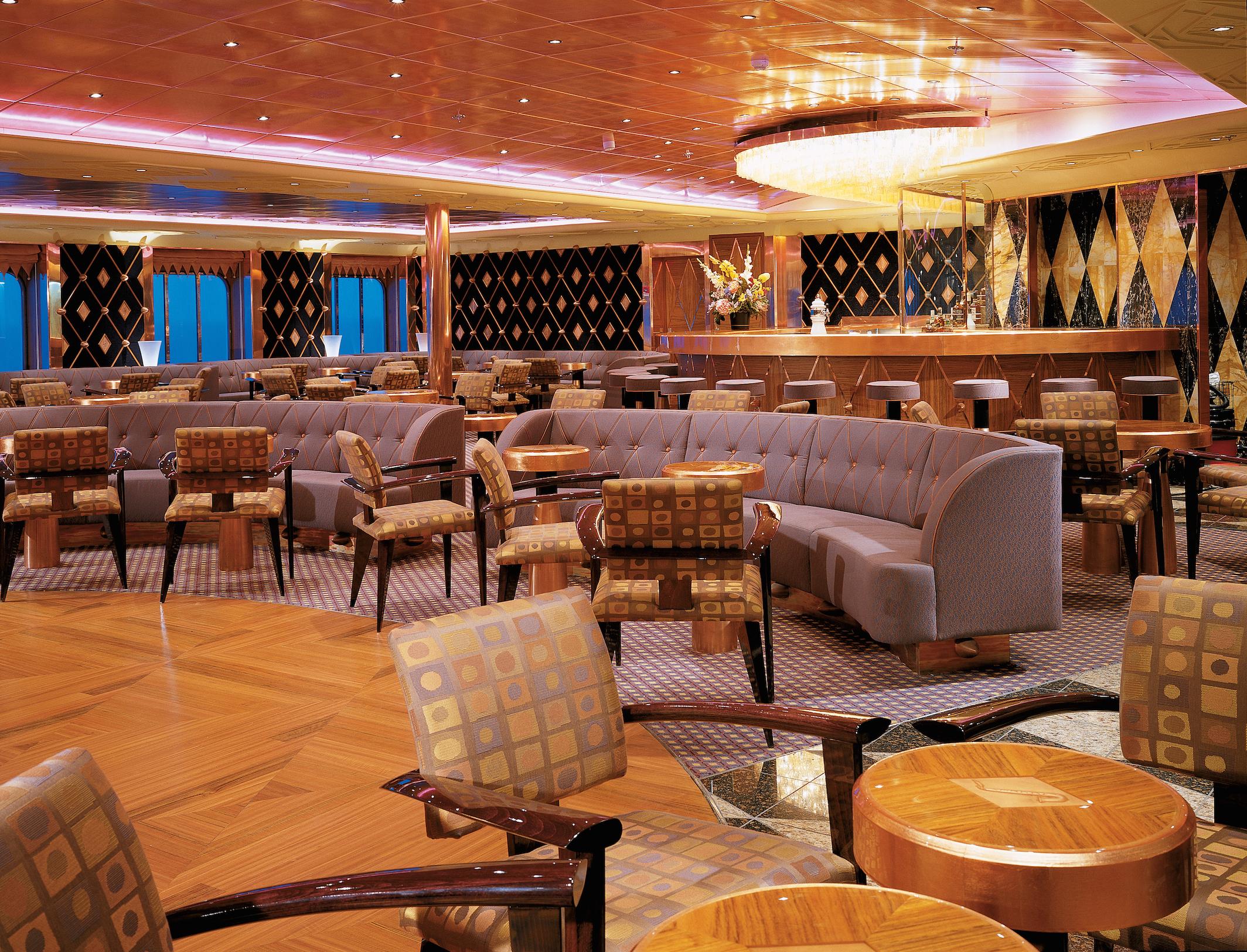 Carnival Spirit Club Cool Lounge 1.jpg