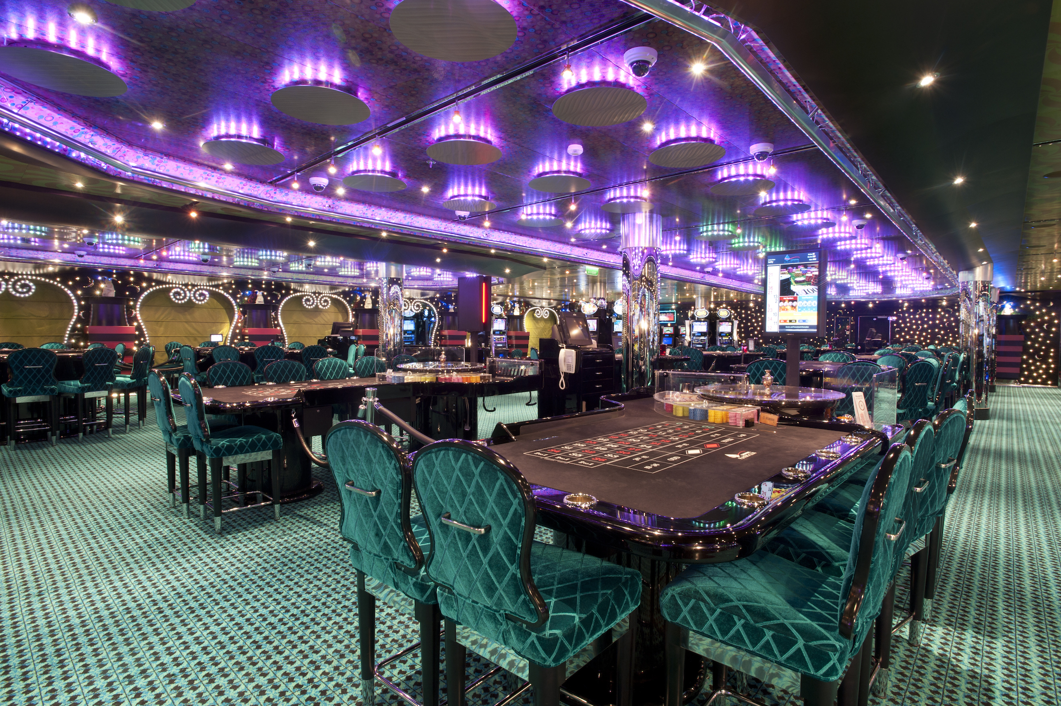 Carnival Magic Hat Trick Casino 2.jpg