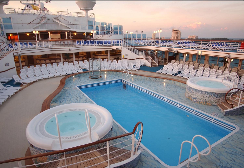 princess cruises caribbean princess pool 2014.jpg