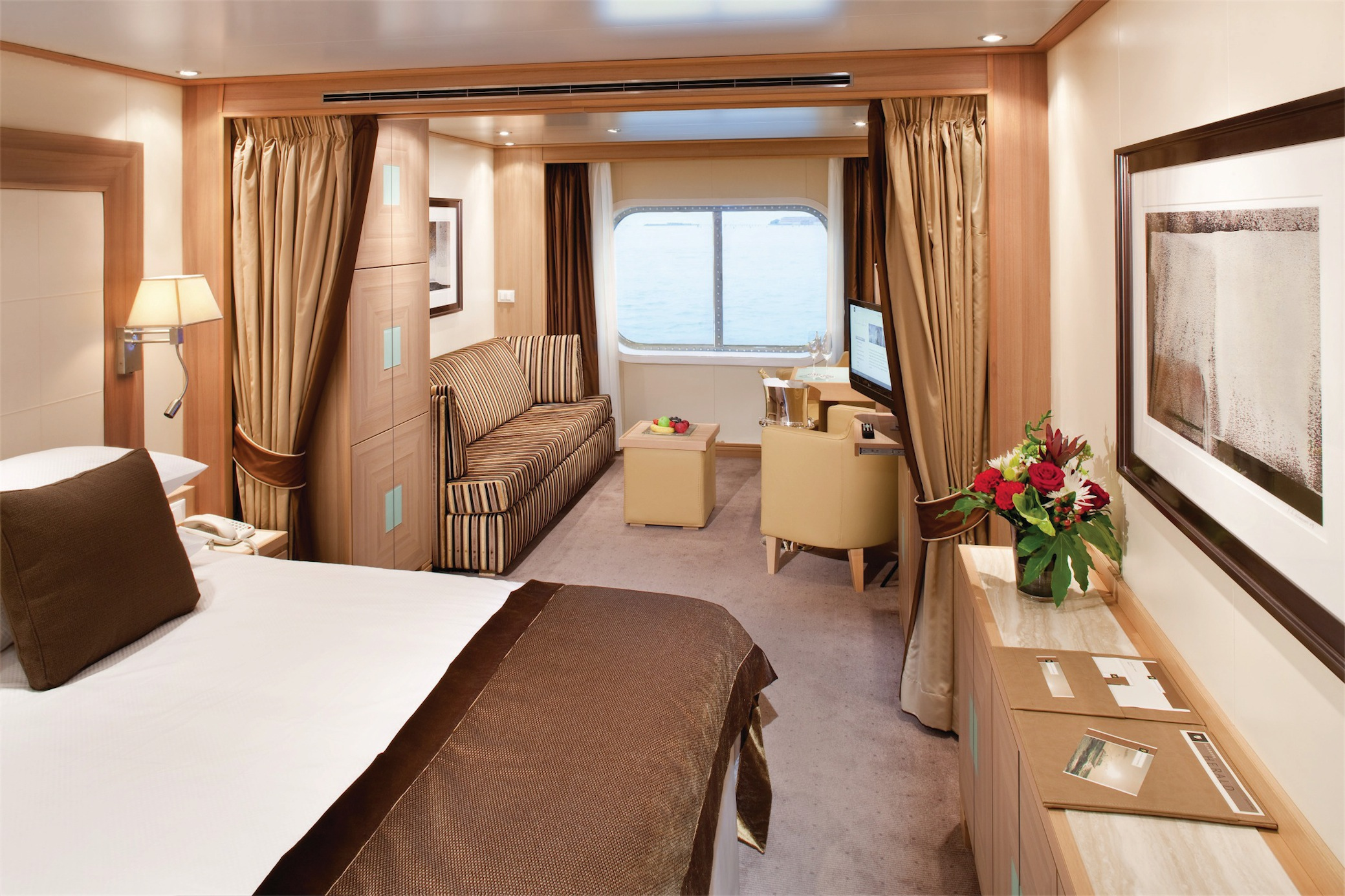 Seabourn Odyssey Class Accommodation Seabourn Suite.jpg