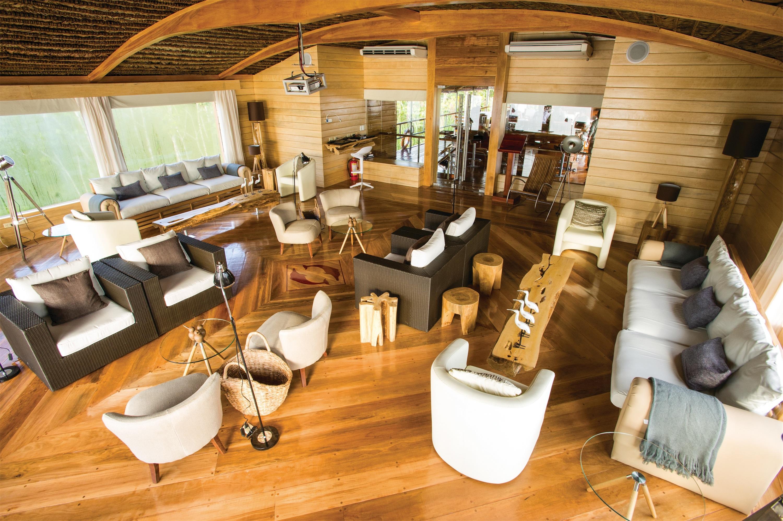 Lindblad Expeditions Delfin II Interior Top Deck Lounge.jpg