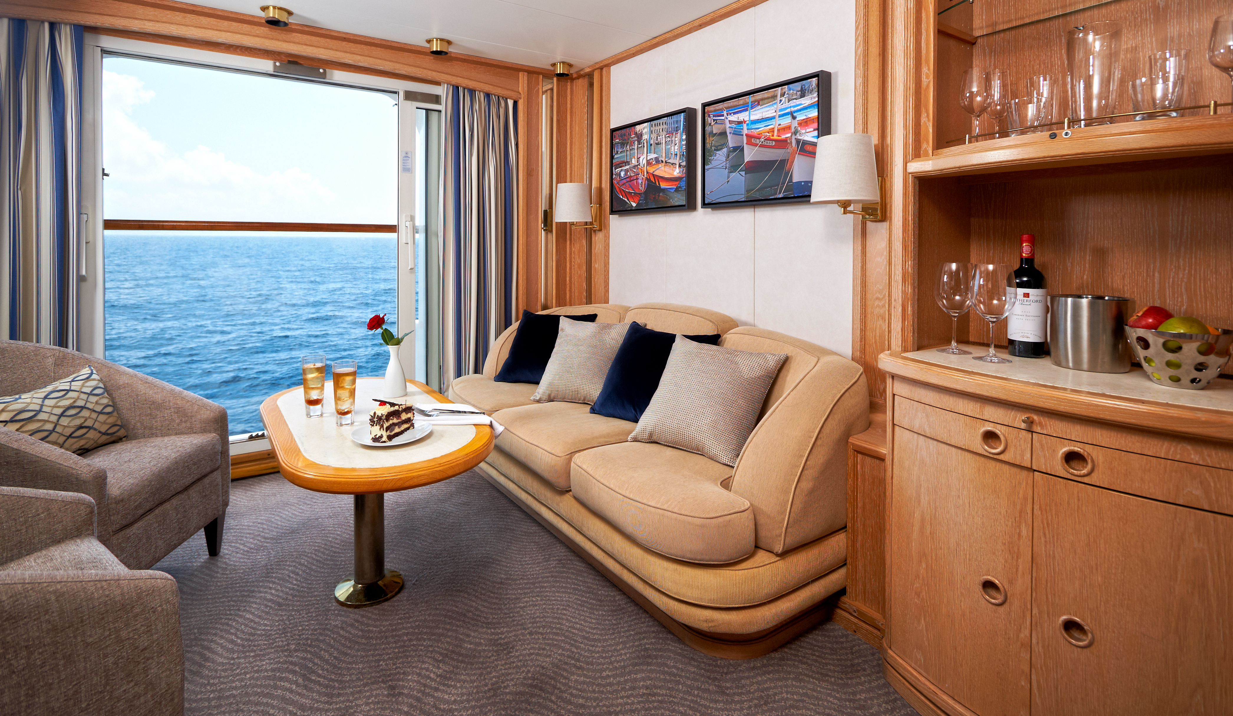 Windstar Star Pride Accommodation Balcony Suite 4.jpg