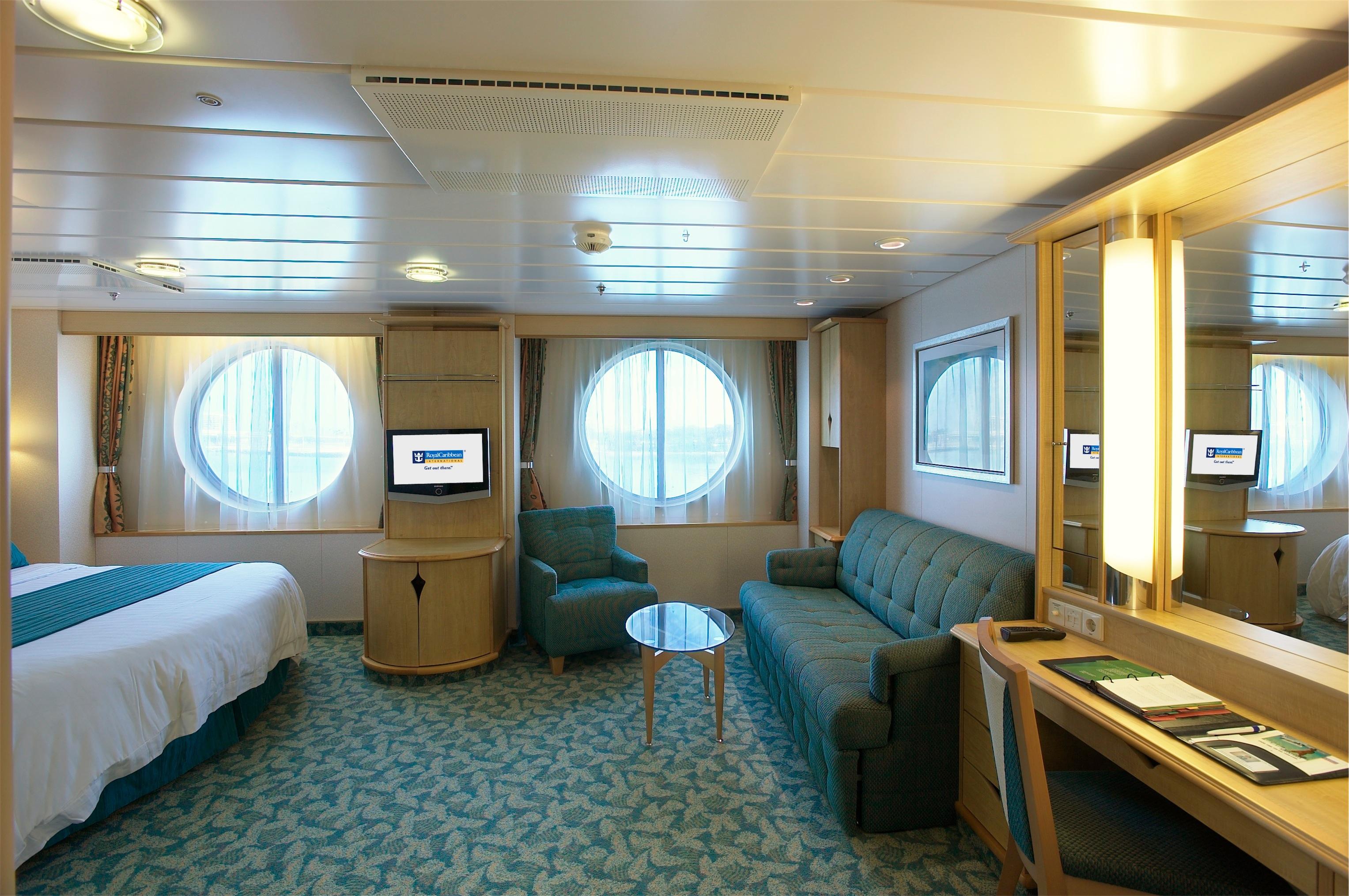 Royal Caribbean International Freedom of the Seas Accommodation Family Ocean View.jpg