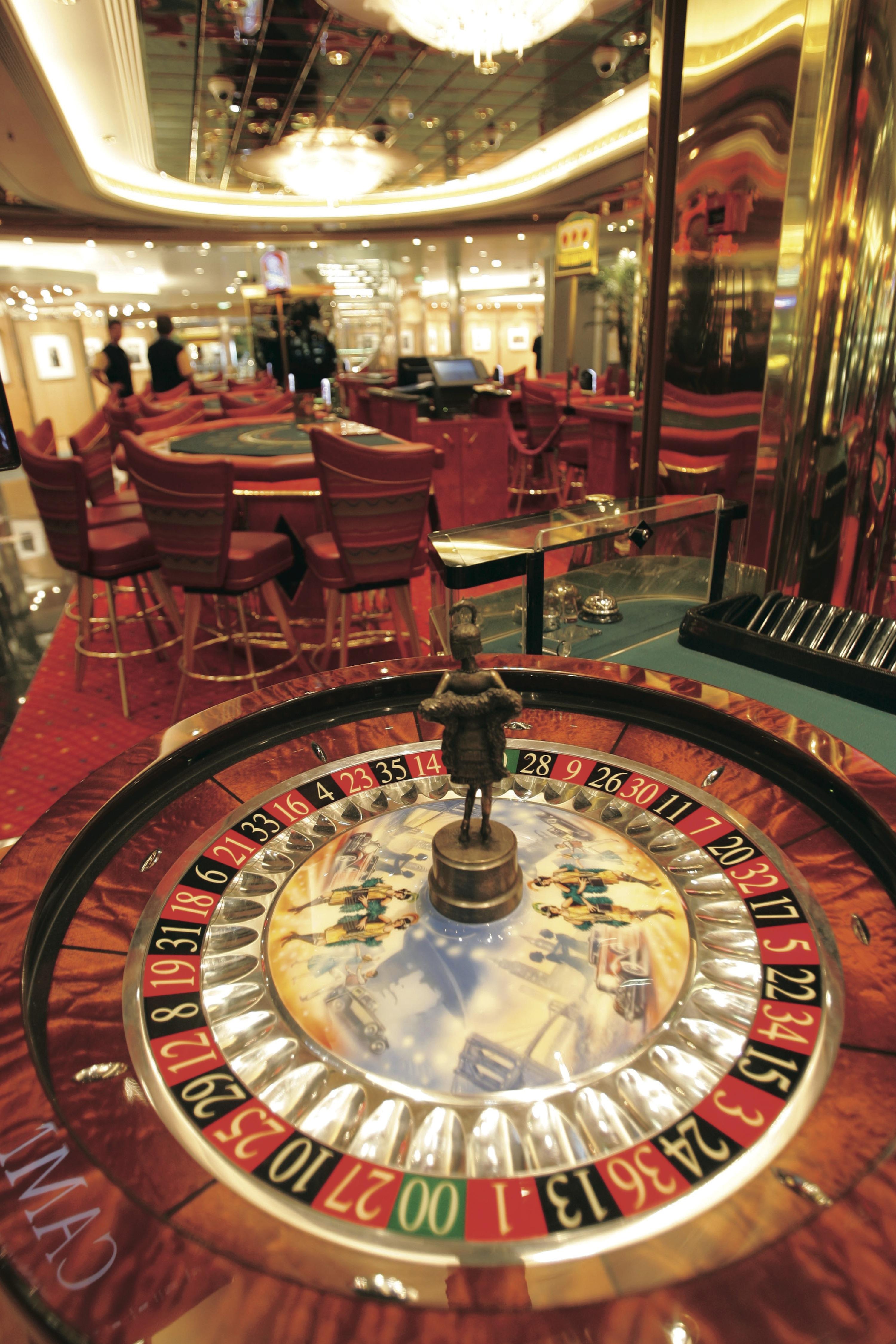 Royal Caribbean International Freedom of the Seas Interior Casino Royale.jpeg