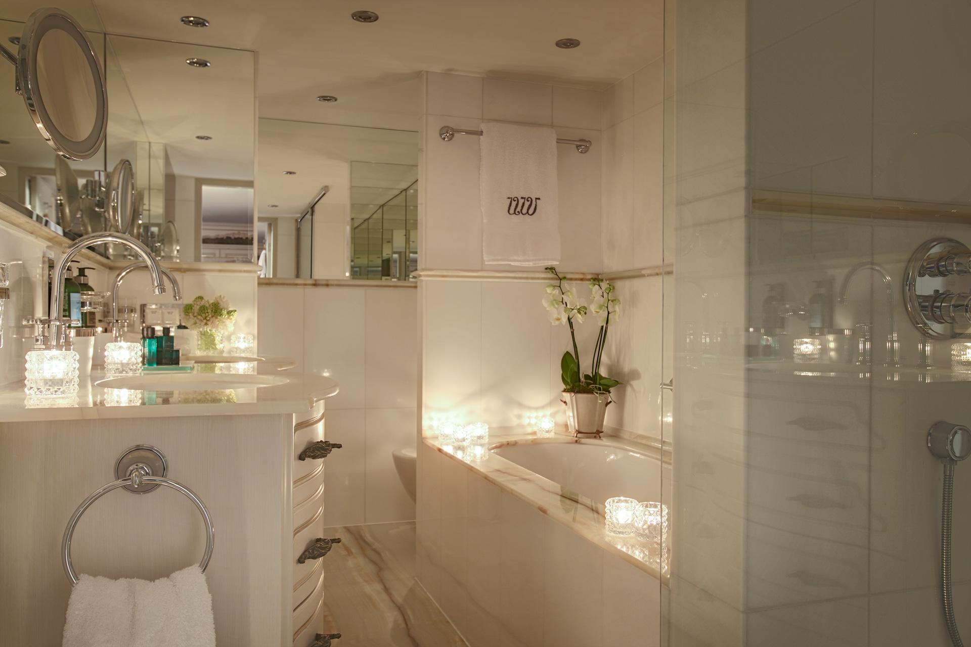 UNIWORLD Boutique River Cruises SS Maria Theresa Accommodation Royal Suite Bathroom.jpg