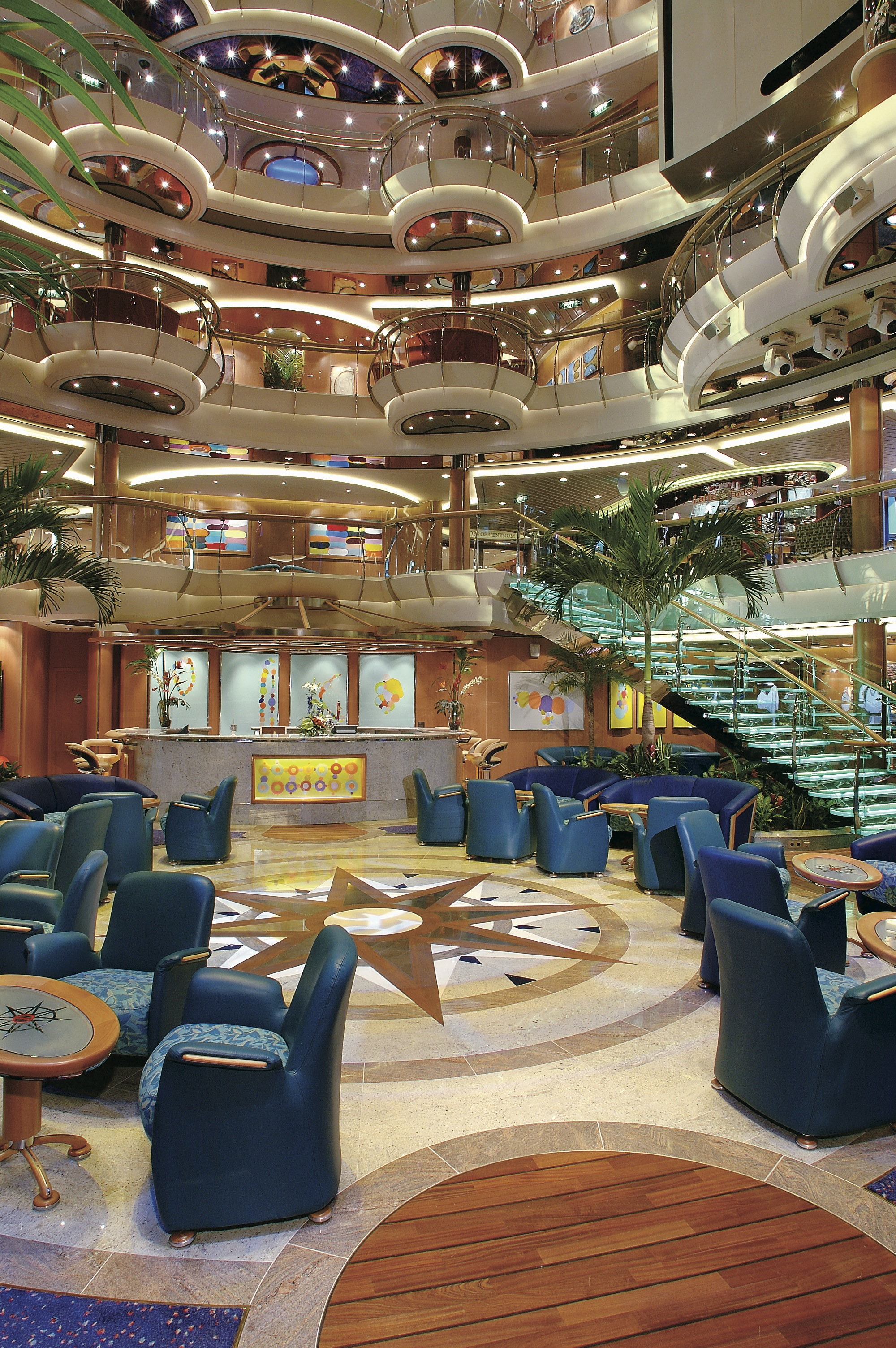 Royal Caribbean International Jewel of the Seas Interior Centrum 2.jpeg